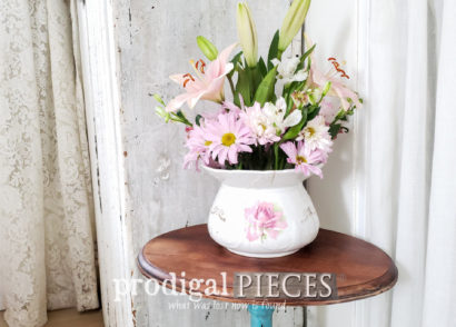 Featured Vintage Accent Table Gets Restored and Renewed by Larissa of Prodigal Pieces | Video tutorial at prodigalpieces.com #prodigalpieces #diy #home #furniture #homedecor #videos #homedecorideas