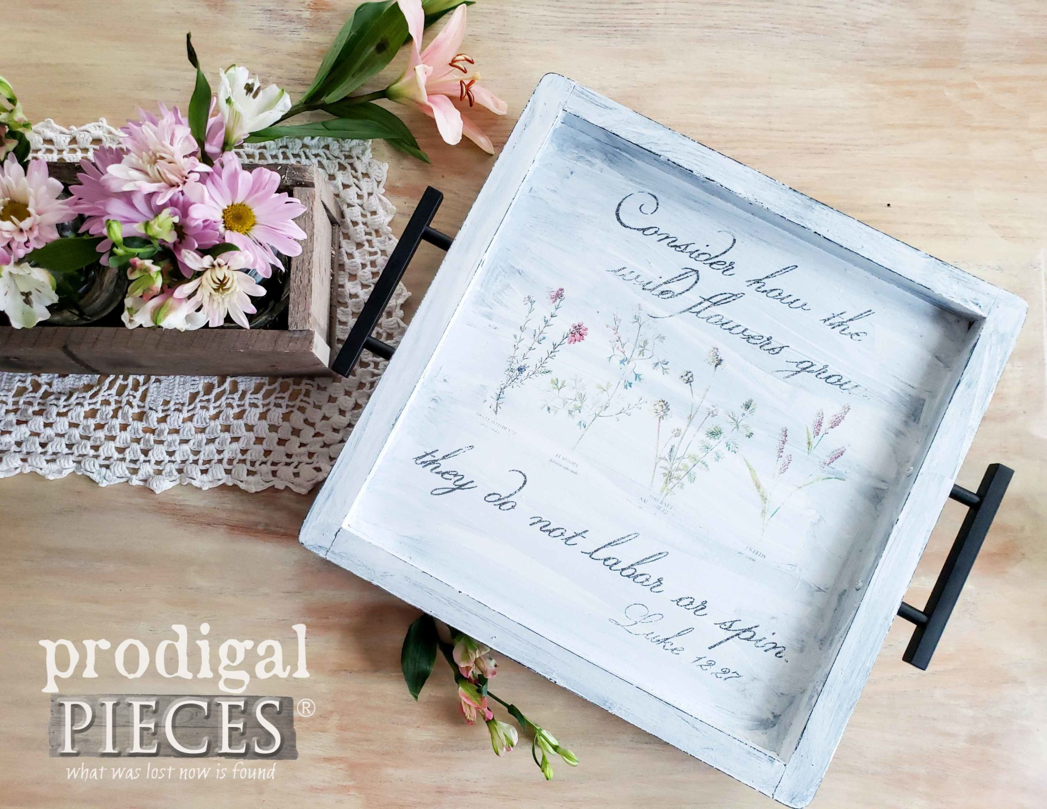 DIY Botanical Serving Tray Video tutorial on how to transfer an image by Larissa of Prodigal Pieces at prodigalpieces.com #prodigalpieces #diy #home #vintage #homedecor #farmhouse #videos