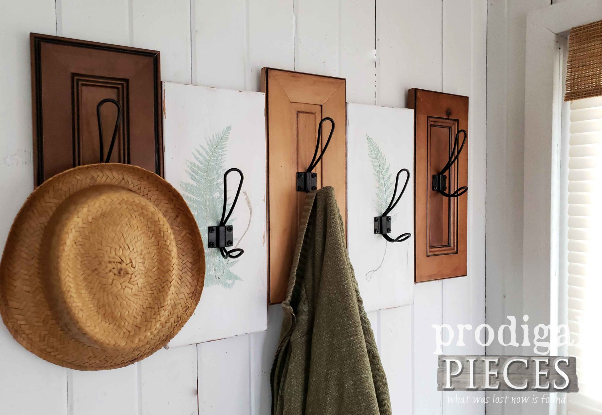 Modern Farmhouse Coat Towel Rack with Botanical Style by Larissa of Prodigal Pieces | prodigalpieces.com #prodigalpieces #diy #home #homedecor #handmade #farmhouse