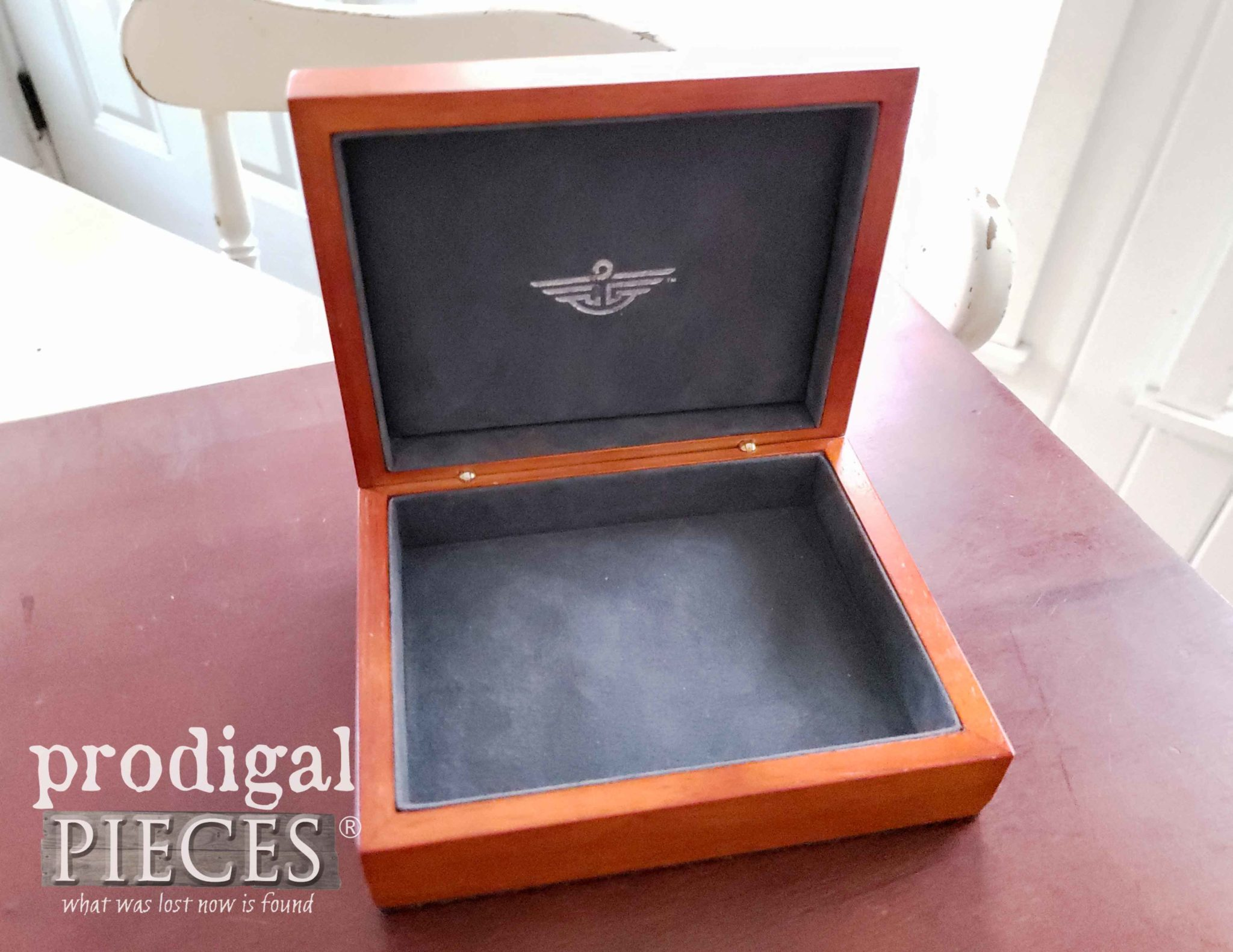 Inside Open Dockers Watch Box | prodigalpieces.com