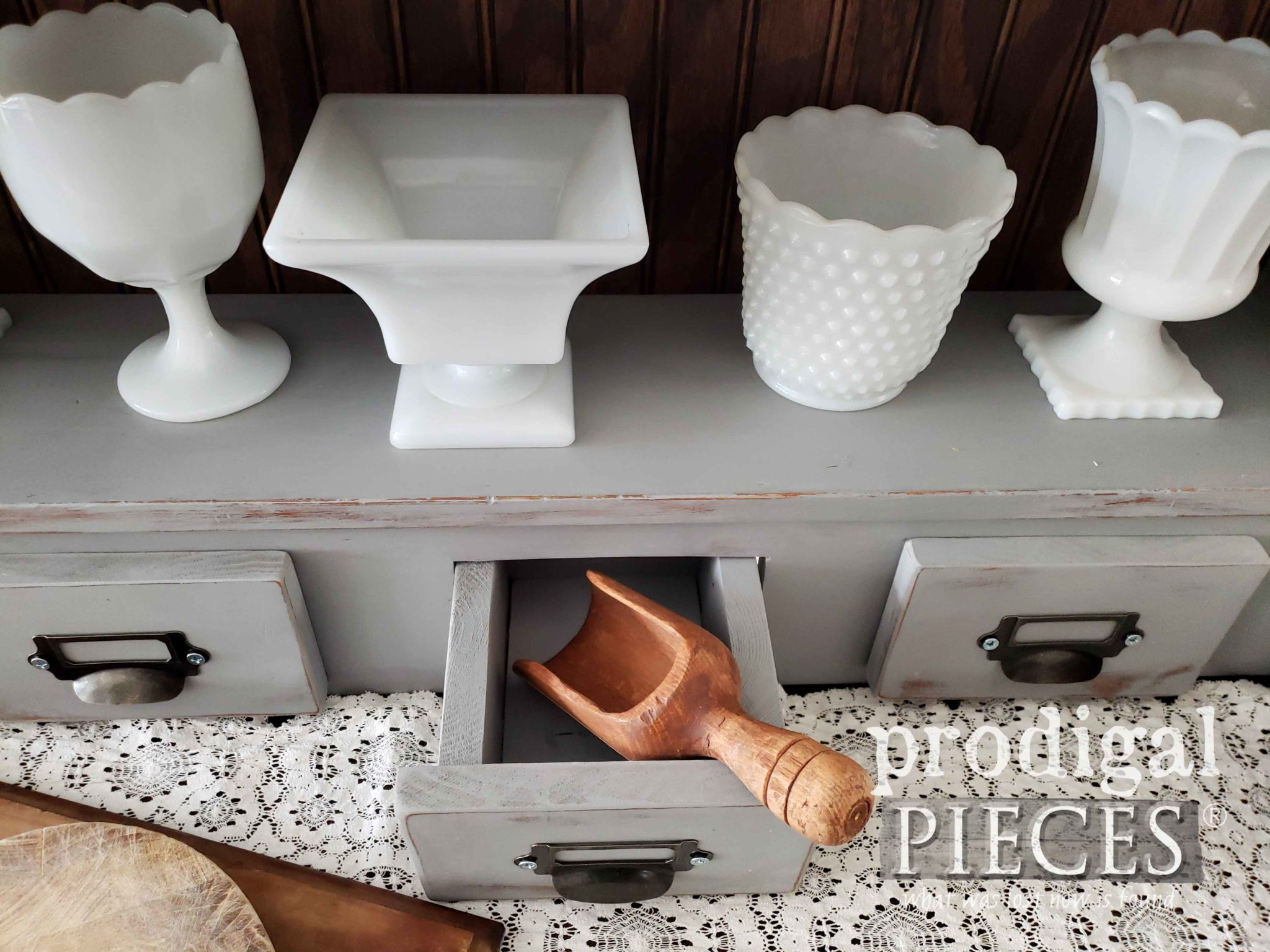 Farmhouse Style Home Decor Created by Larissa of Prodigal Pieces | prodigalpieces.com #prodigalpieces #handmade #home #diy #farmhouse #homedecor