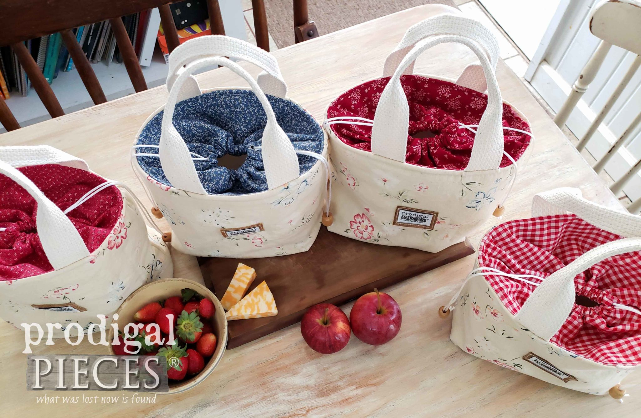 Handmade Linen Lunch Bags from Upcycled Skirt by Larissa of Prodigal Pieces | prodigalpieces.com #prodigalpieces #handmade #style #accessories