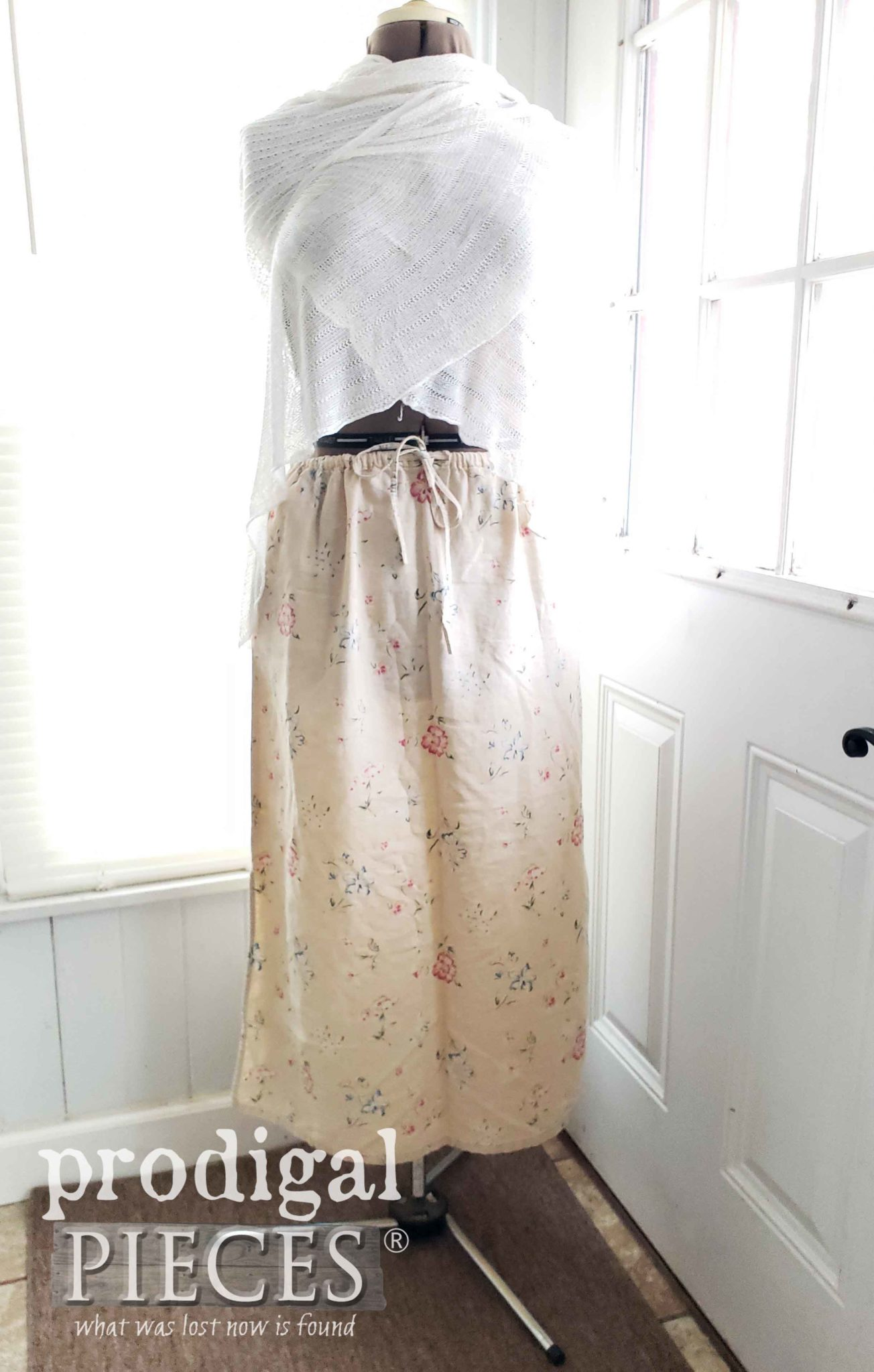 Flower Linen Skirt before upcycle | prodigalpieces.com