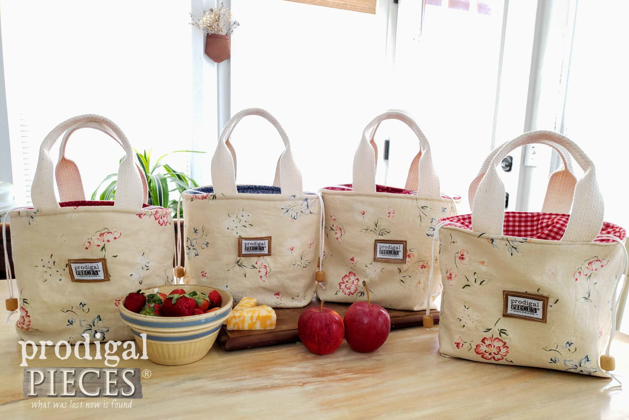 Handmade Insulated Lunch Bags Made from Upcycled Linen Skirt by Larissa of Prodigal Pieces | prodigalpieces.com #prodigalpieces #handmade #sewing #accessories #style