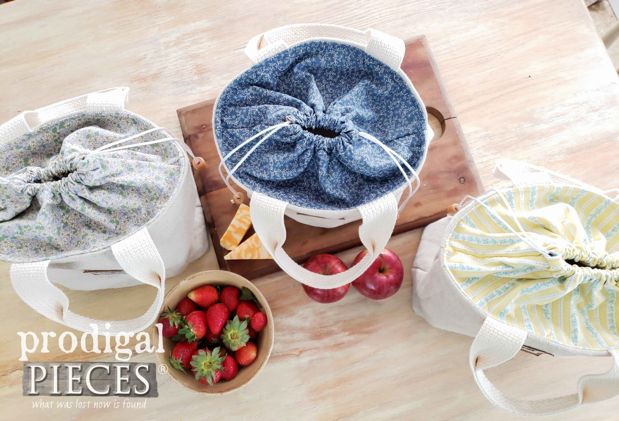 Linen Lunch Bags with Cinched Tops by Larissa of Prodigal Pieces | prodigalpieces.com #prodigalpieces #handmade #home #style #sewing