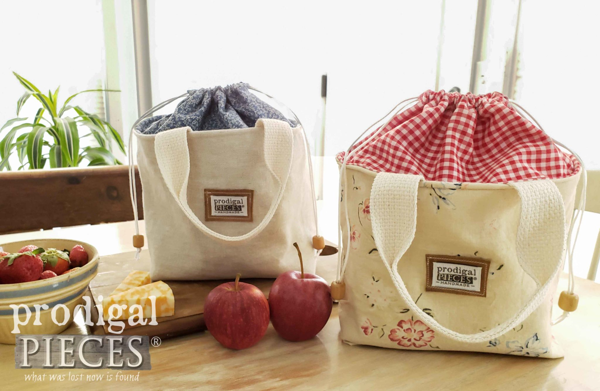 Red and Blue Linen Lunch Bags by Prodigal Pieces | prodigalpieces.com #prodigalpieces #handmade