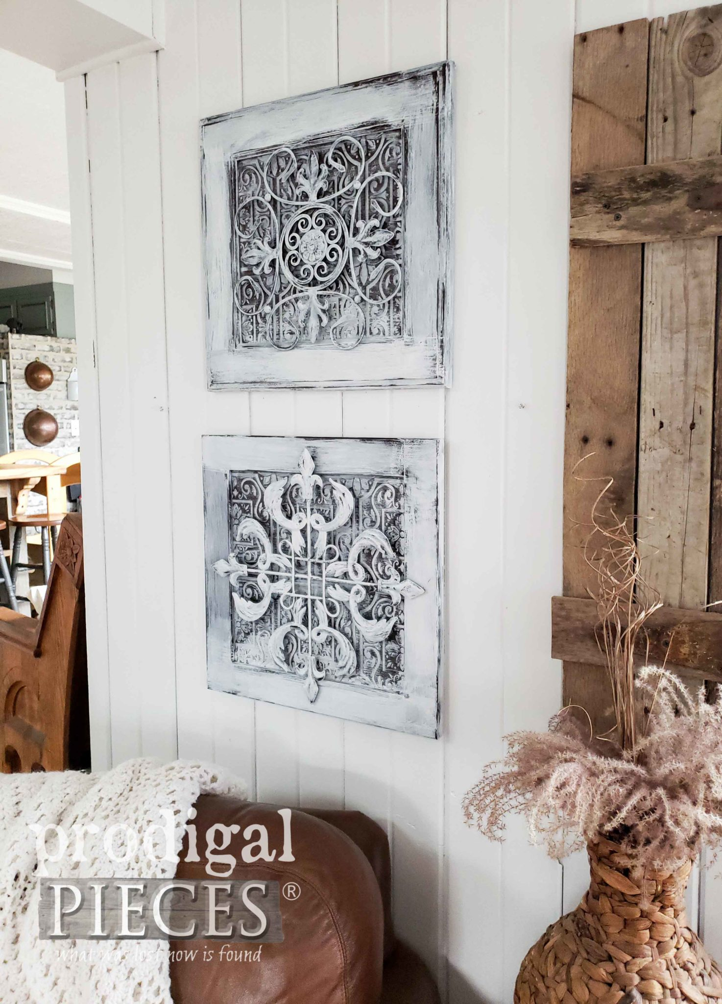 Rustic Farmhouse Wall Decor Made from Upcycled Materials | Details at Prodigal Pieces | prodigalpieces.com #prodigalpieces #diy #farmhouse #home #homedecor #handmade #videos