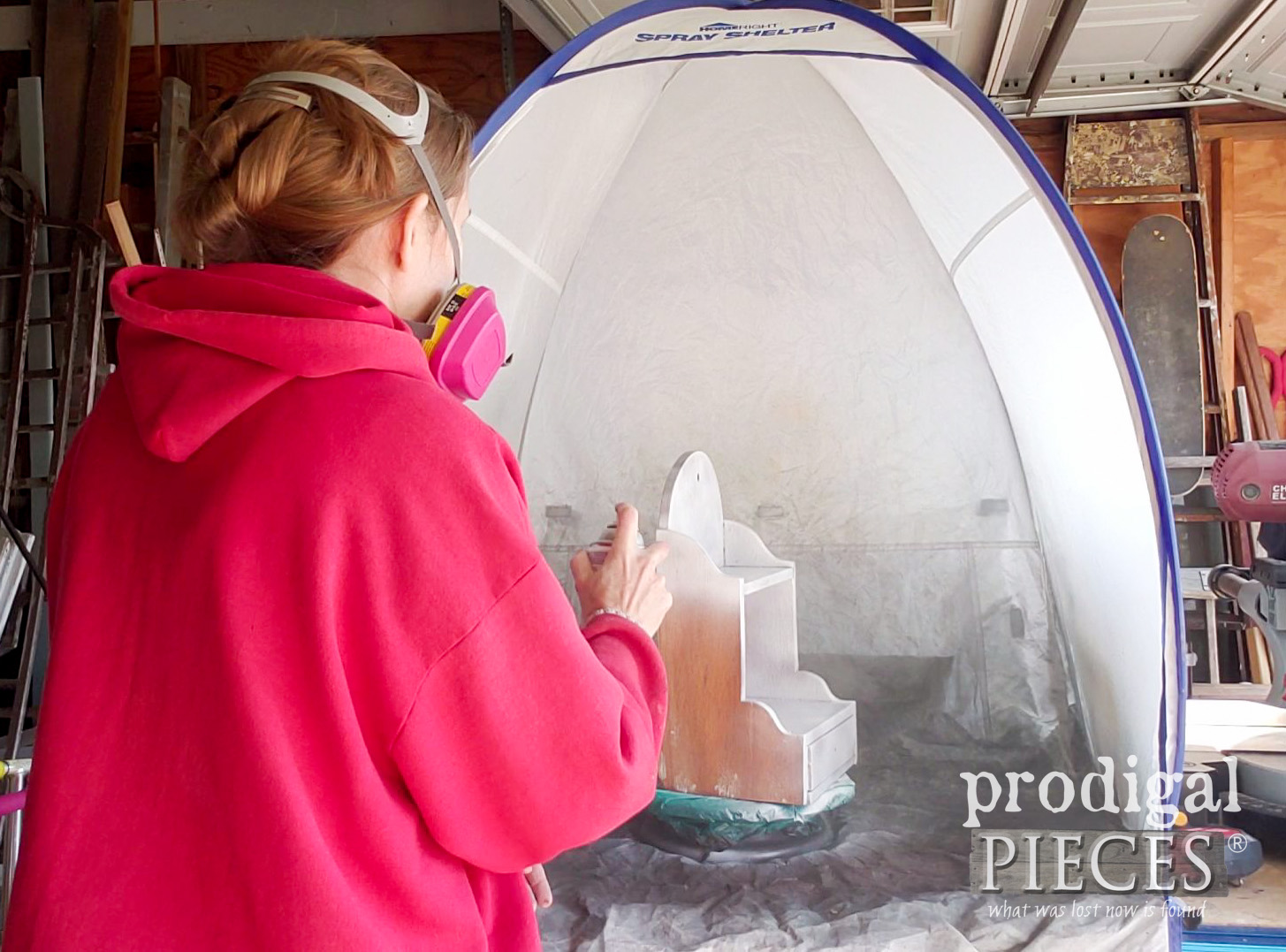 Spray Painting Vintage Recipe Box with HomeRight Spray Shelter | prodigalpieces.com