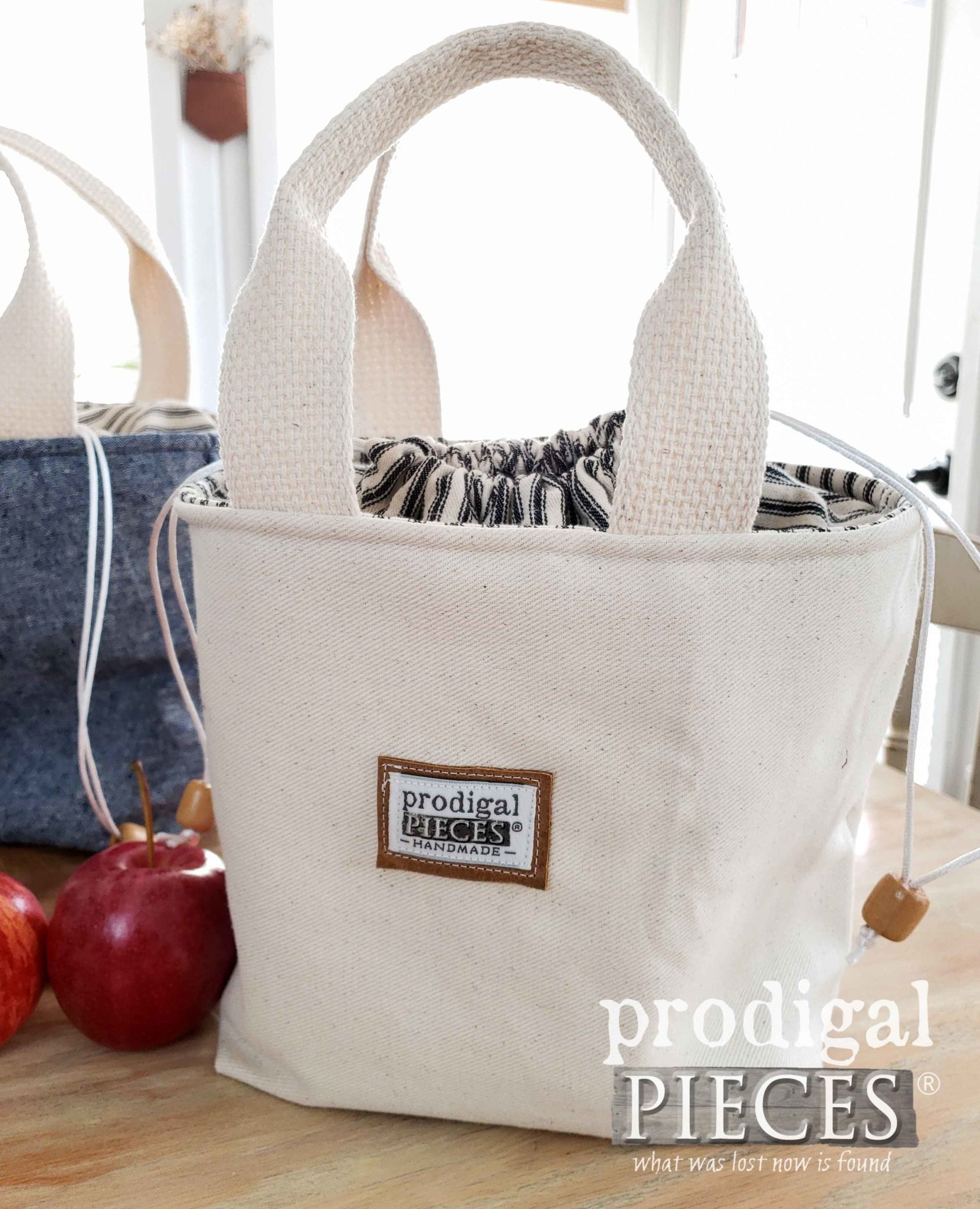 Twill and Ticking Stripe Insulated Lunch Bag by Larissa of Prodigal Pieces | prodigalpieces.com #prodigalpieces #home #handmade #sewing #diy #fashion
