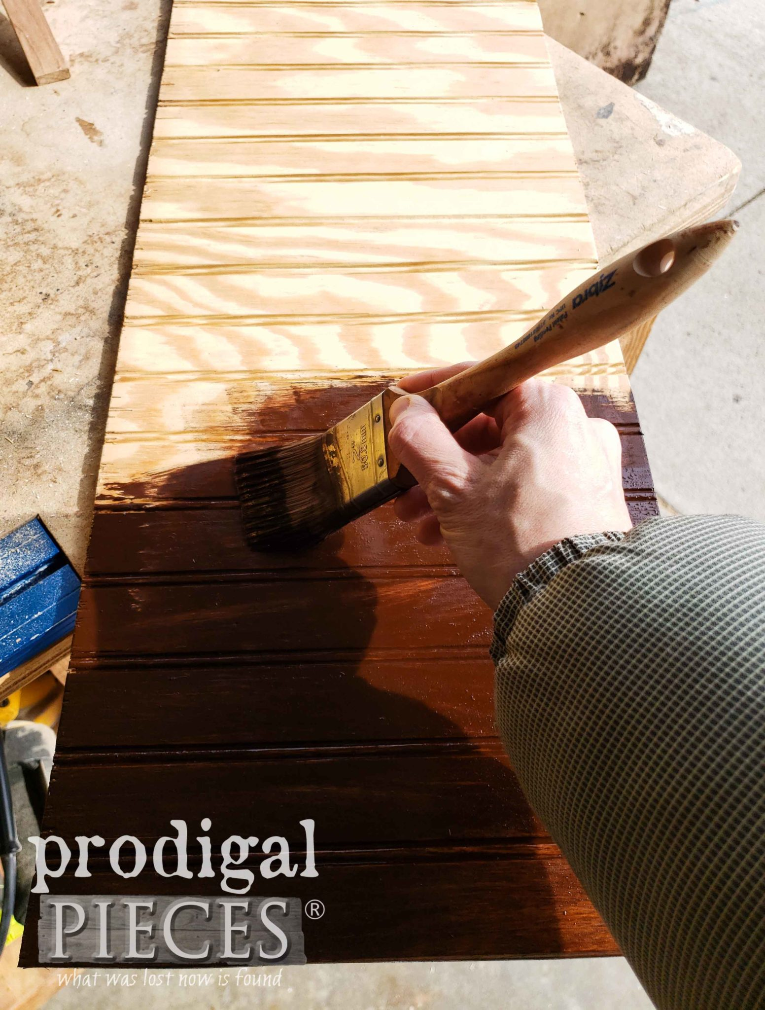 Zibra Brush for Applying Stain | prodigalpieces.com