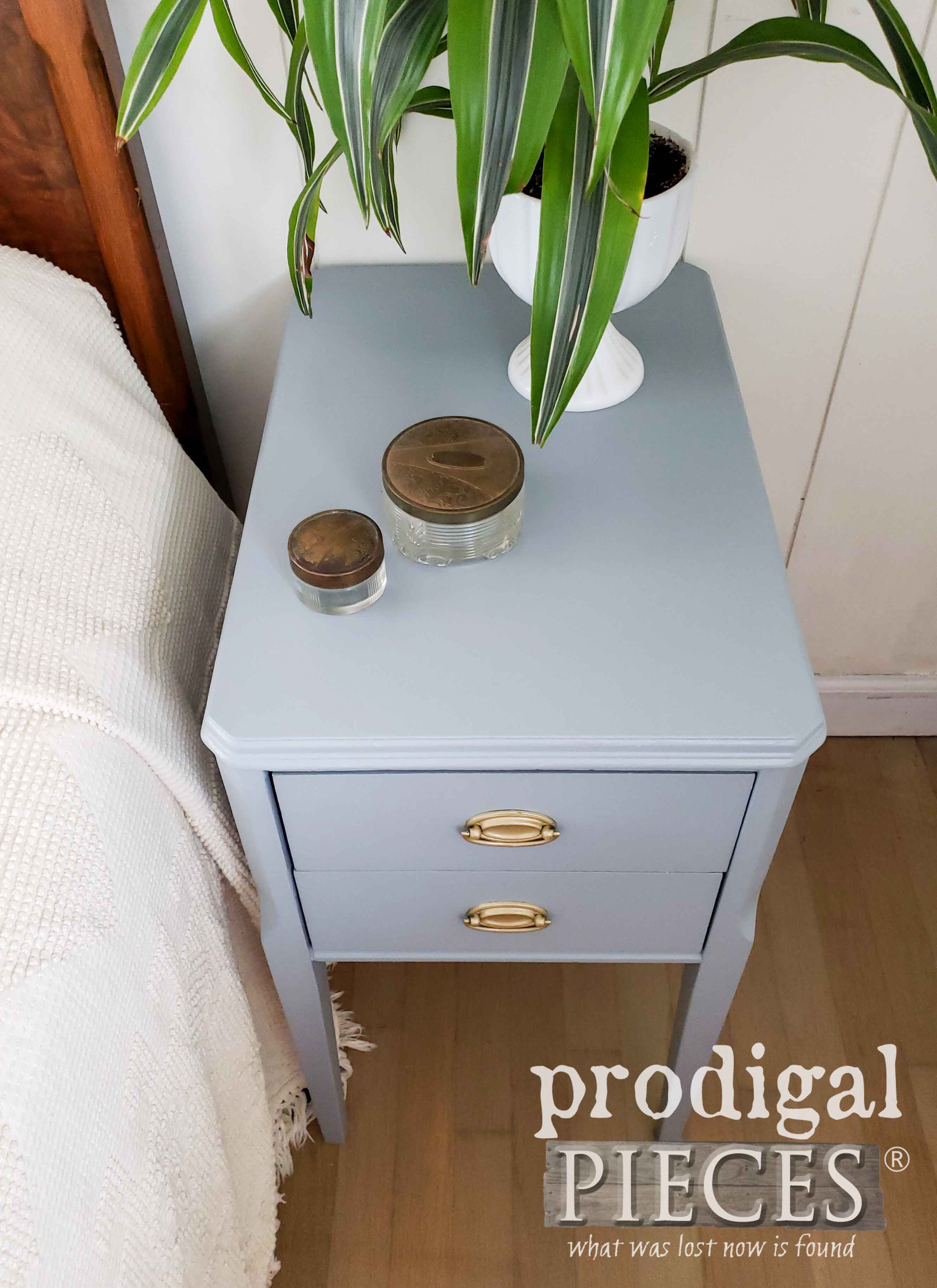 Blue Mid Century Modern Nightstand Top by Larissa of Prodigal Pieces | prodigalpieces.com #prodigalpieces #furniture #diy #midcentury #boho #home #homedecor