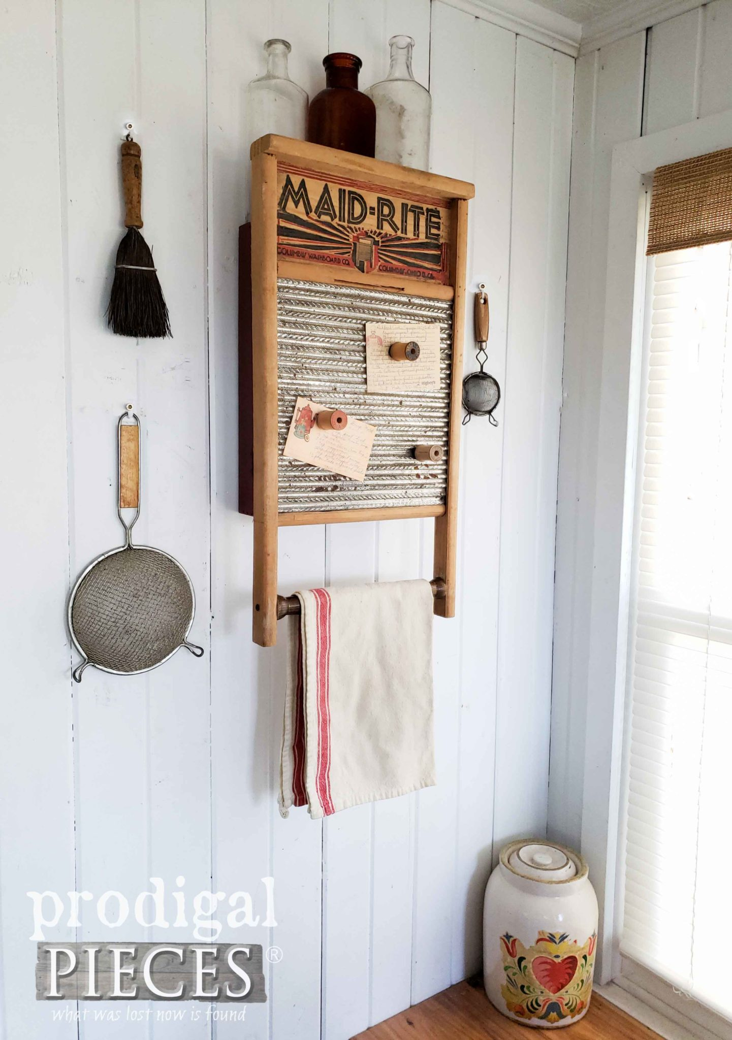 DIY Upcycled Washboard Cupboard for your Home Decor | by Larissa of Prodigal Pieces | prodigalpieces.com #prodigalpieces #diy #farmhouse #vintage #home #homedecor