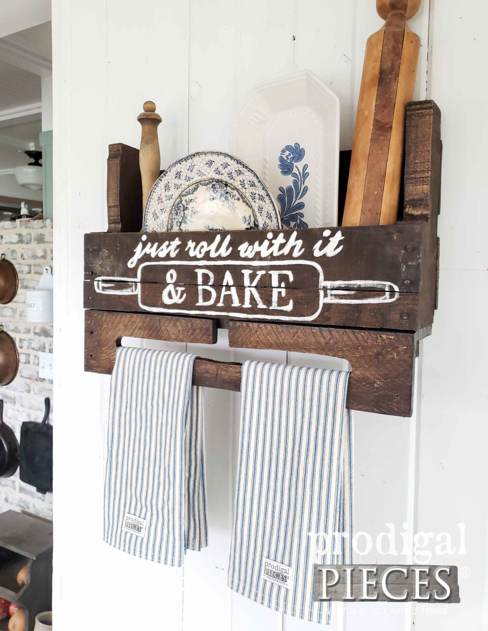 Handmade Farmhouse Decor for your home from creator Larissa of Prodigal Pieces | prodigalpieces.com #prodigalpieces #diy #handmade #kitchen #storage #home #homedecor