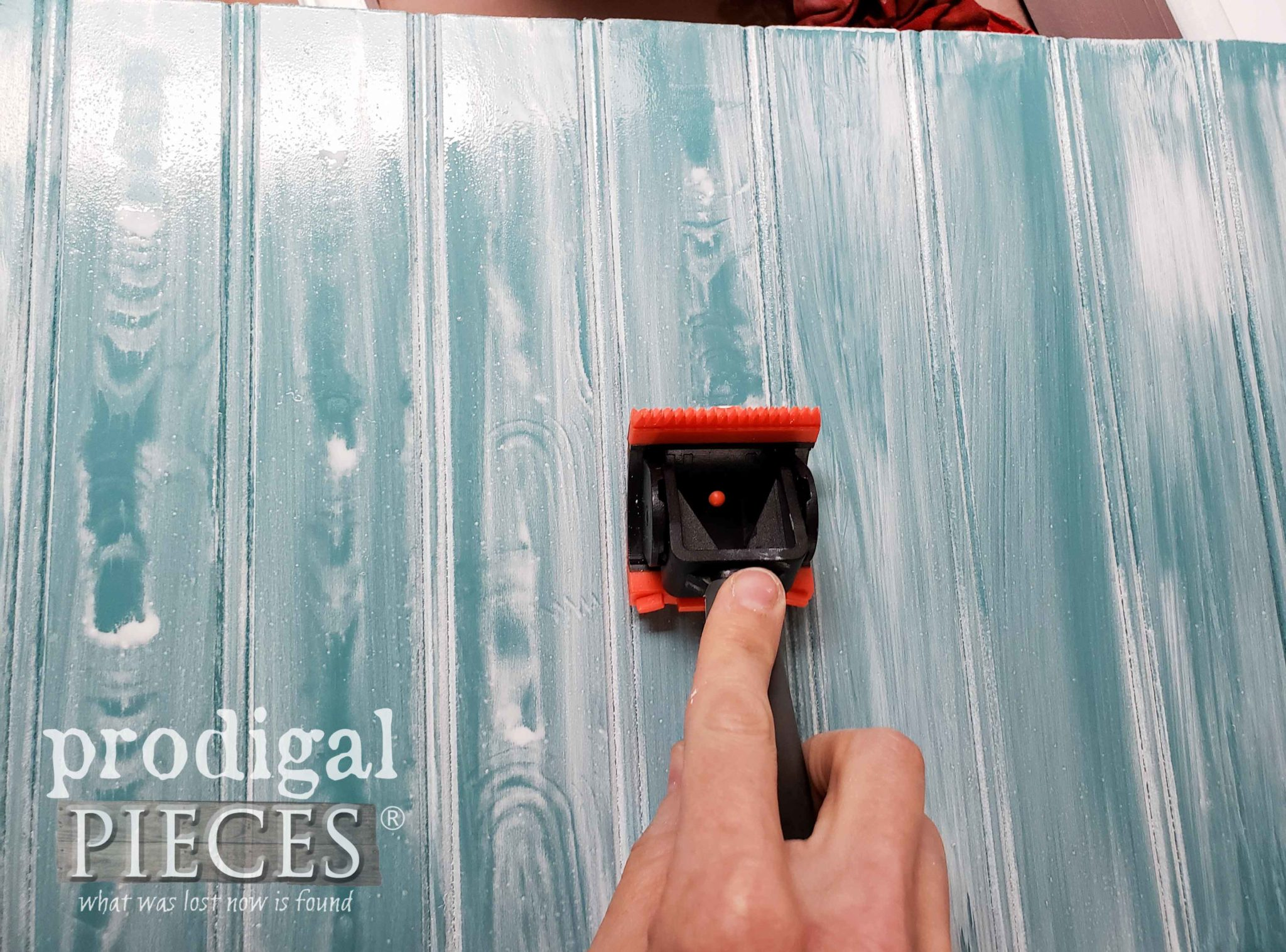 Creating a Faux Wood Grain Effect with a Wood Graining Tool by Larissa of Prodigal Pieces | prodigalpieces.com