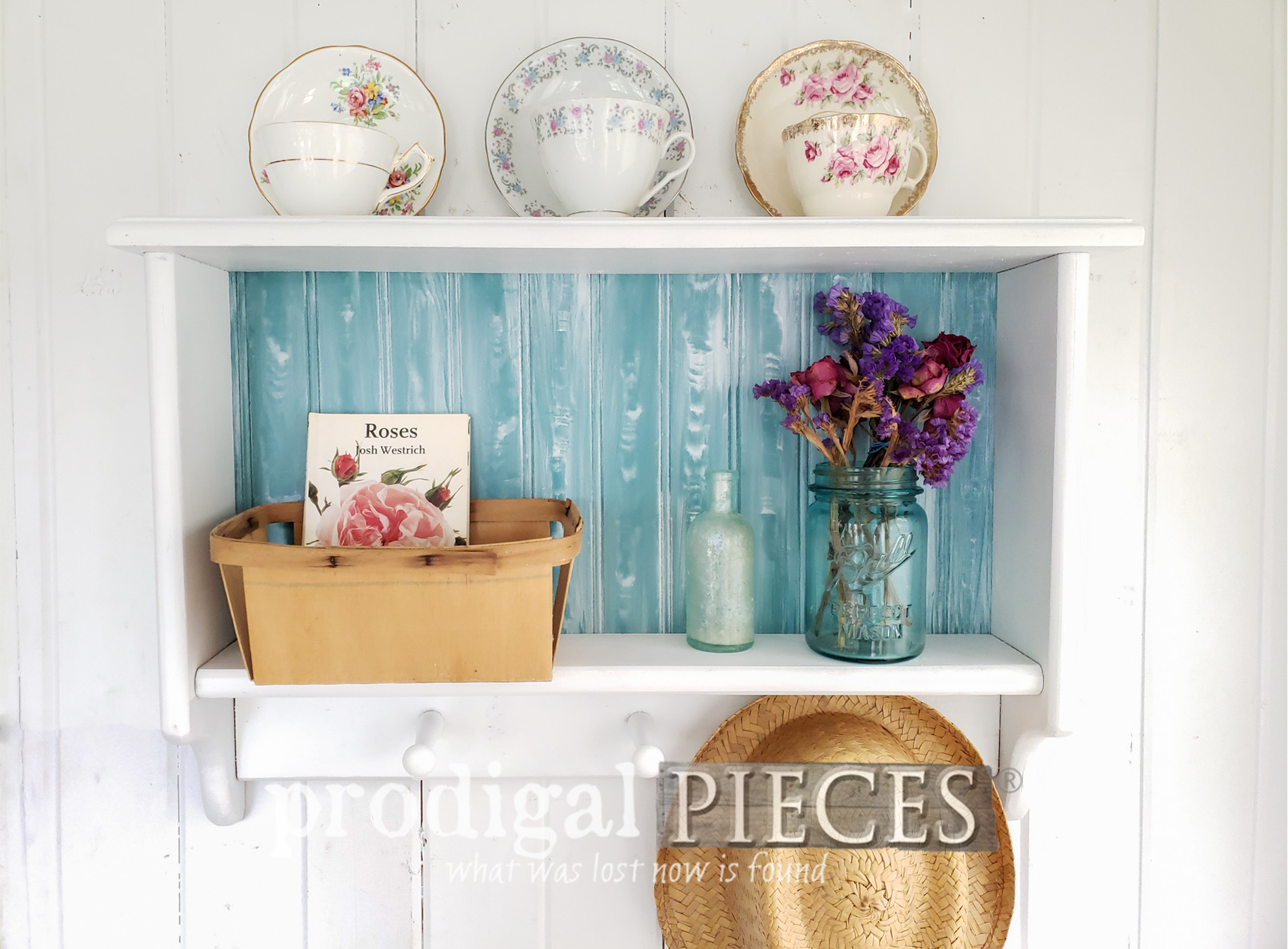 Featured Cottage Style Home Decor Shelf with Coat Towel Rack by Larissa of Prodigal Pieces | prodigalpieces.com #prodigalpieces #handmade #home #cottagestyle #diy #homedecor #vintage