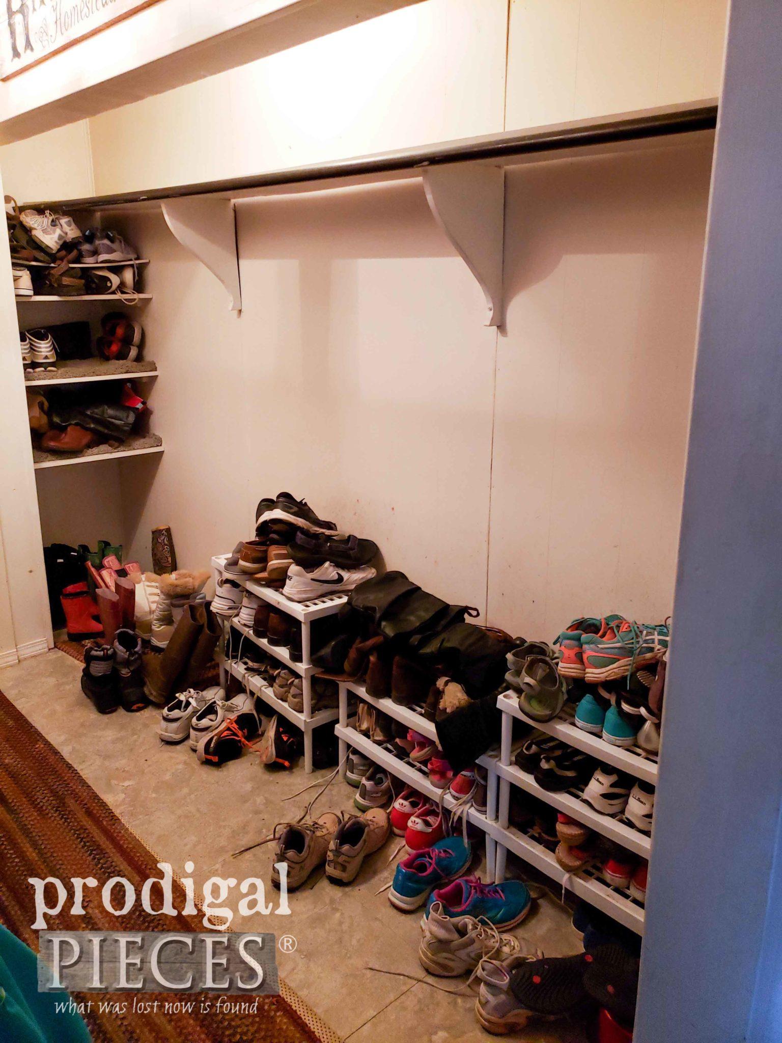 Mudroom Shoe Storage Before Update | prodigalpieces.com