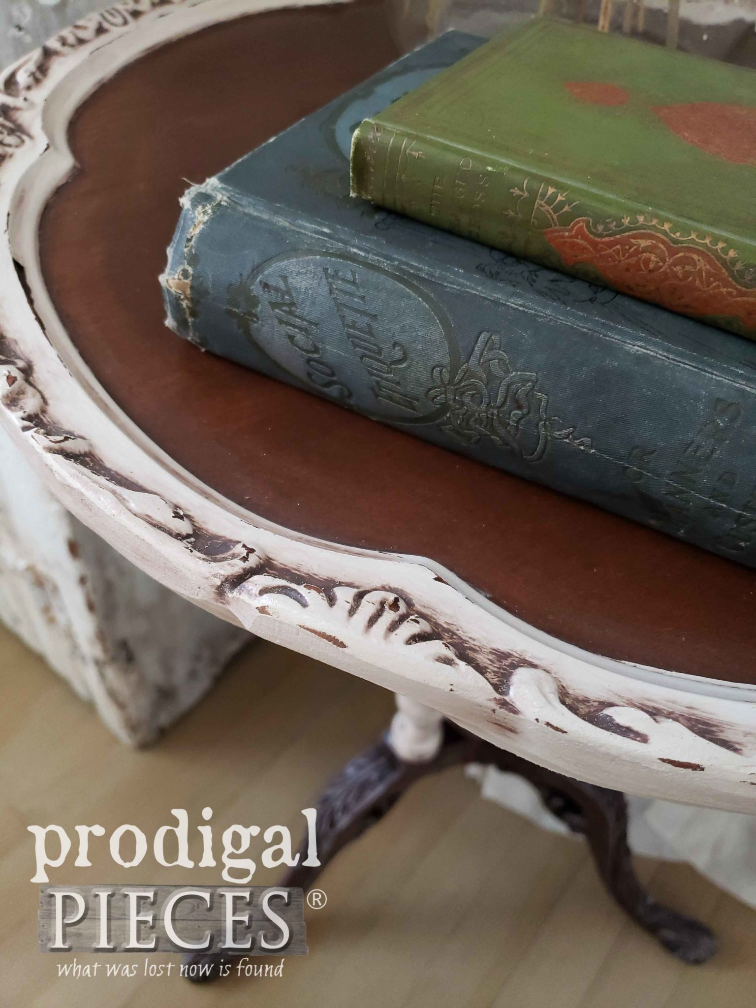 Closeup of Ornate Table Edge | prodigalpieces.com