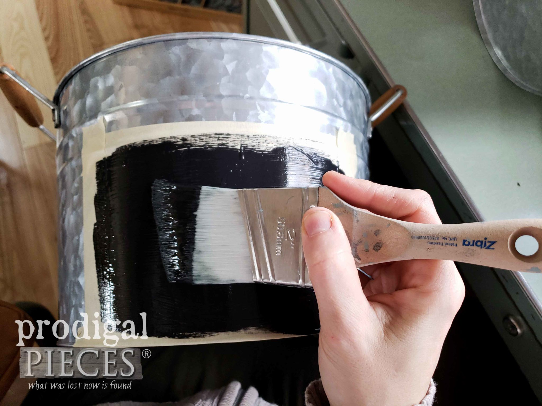 Painting Galvanized Buckets for Chalkboard Effect by Prodigal Pieces | prodigalpieces.com