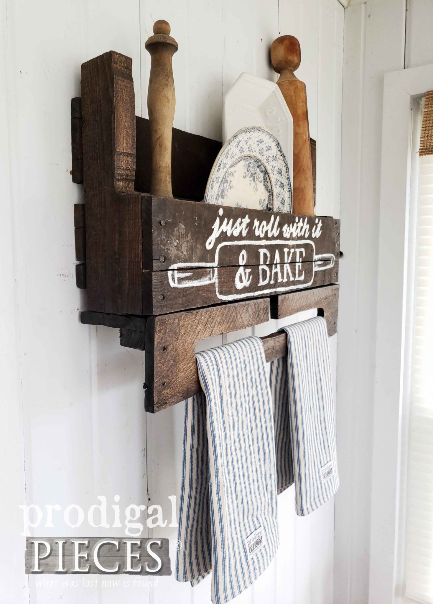 Rustic Farmhouse Style Baking Rack from an Upcycled Pallet | details at prodigalpieces.com #prodigalpieces #diy #farmhouse #handmade #home #homedecor