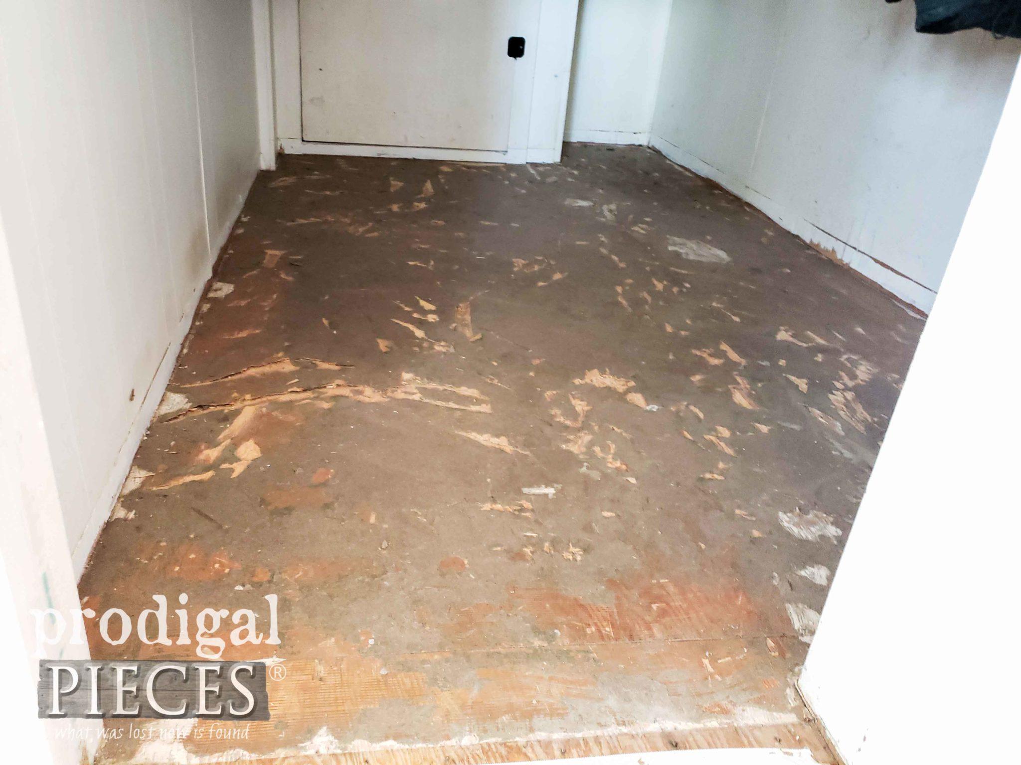 Mudroom Update with Replacing Floor | prodigalpieces.com