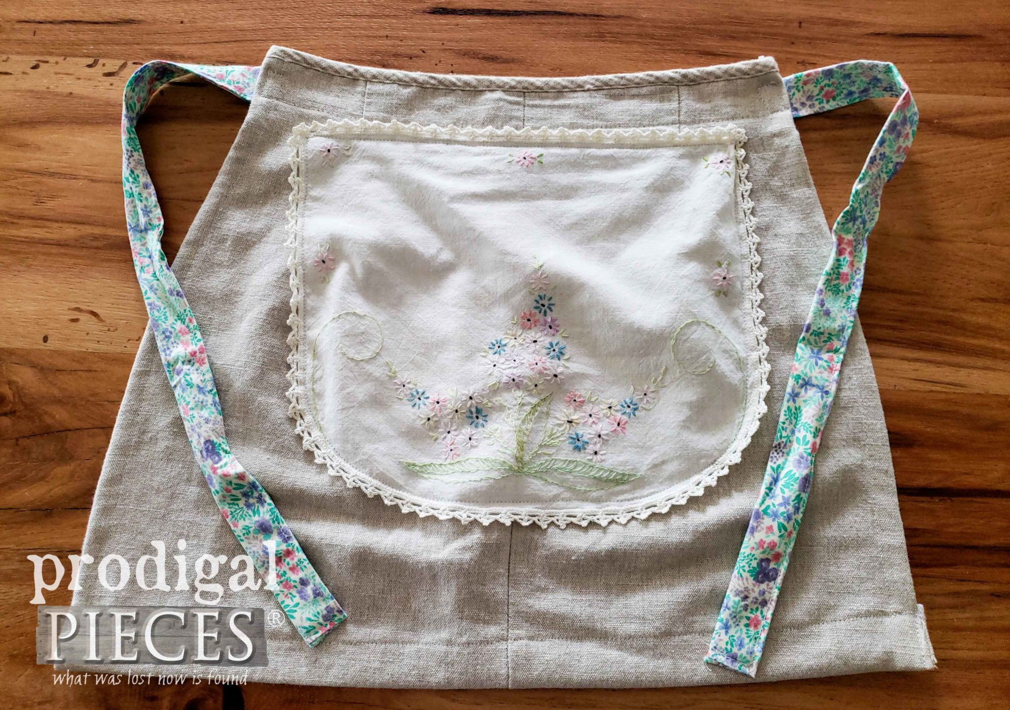 Handmade Linen Apron with Vintage Embroidery Applique by Larissa of Prodigal Pieces | prodigalpieces.com #prodigalpieces #sewing #kids #fashion #diy #handmade #vintage