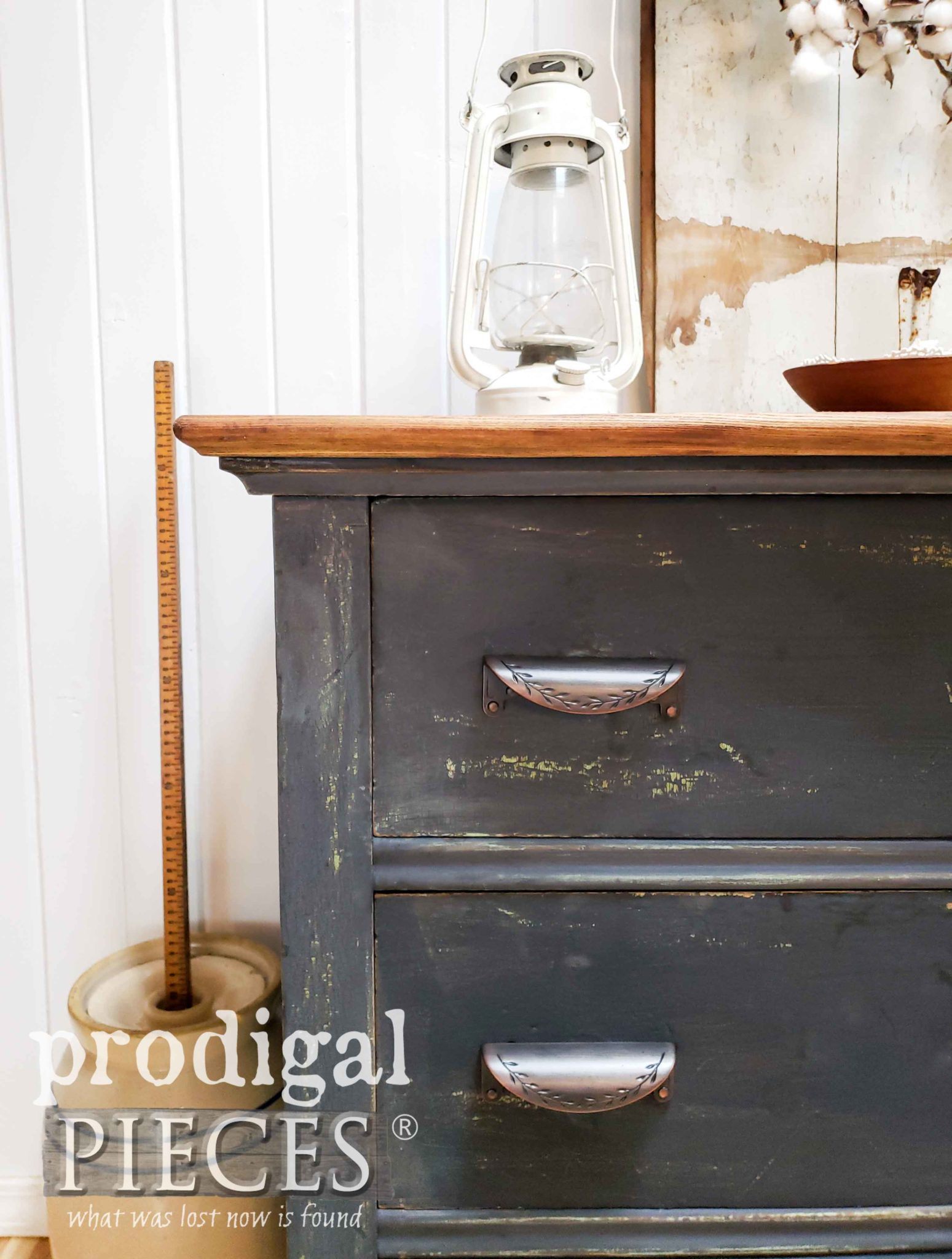 Navy Blue Farmhouse Chest of Drawers Refinished by Larissa of Prodigal Pieces | prodigalpieces.com #prodigalpieces #home #farmhouse #homedecor #furniture #milkpaint