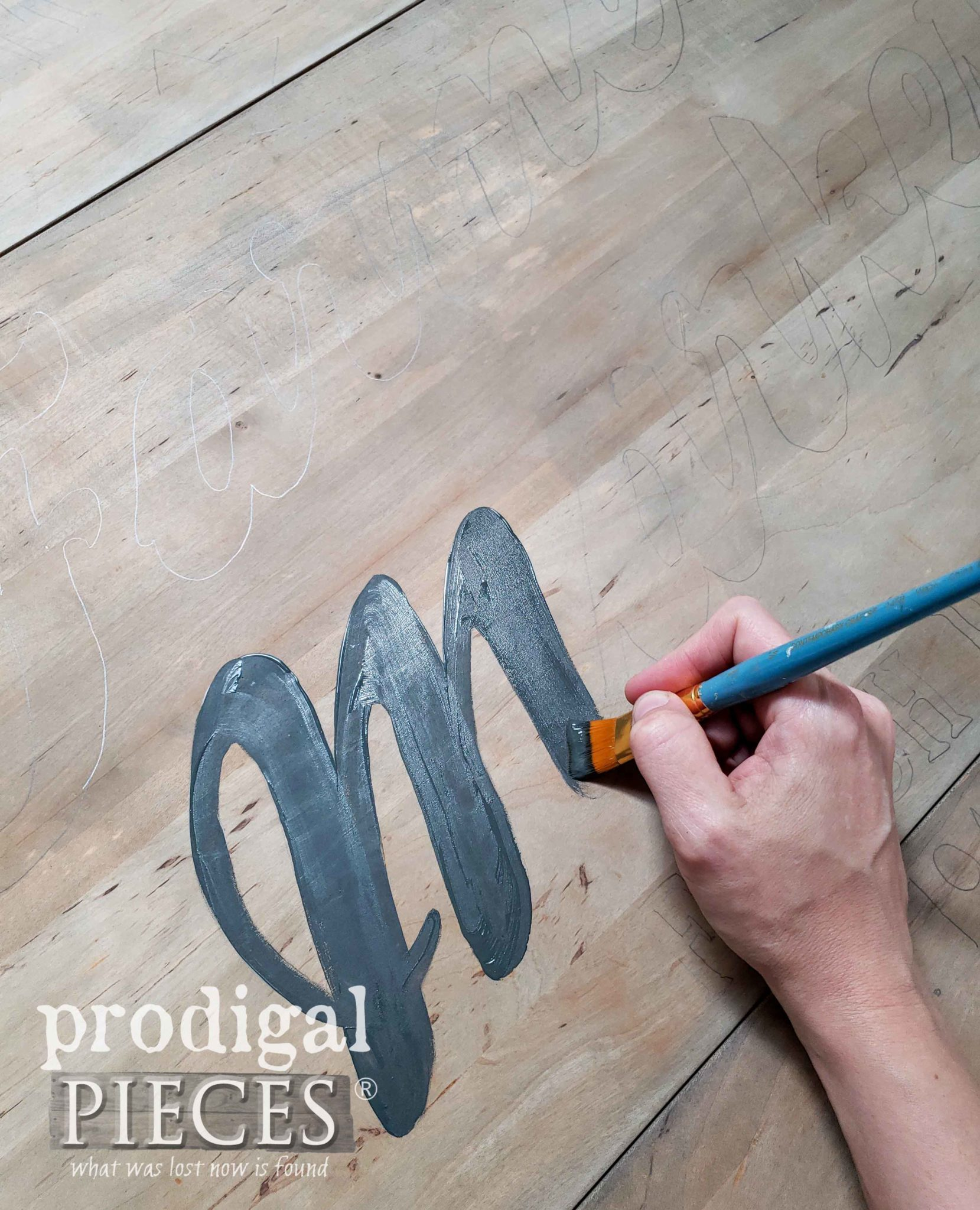 Painting Vintage Typography on Farmhouse Drop-Leaf Table Top | prodigalpieces.com