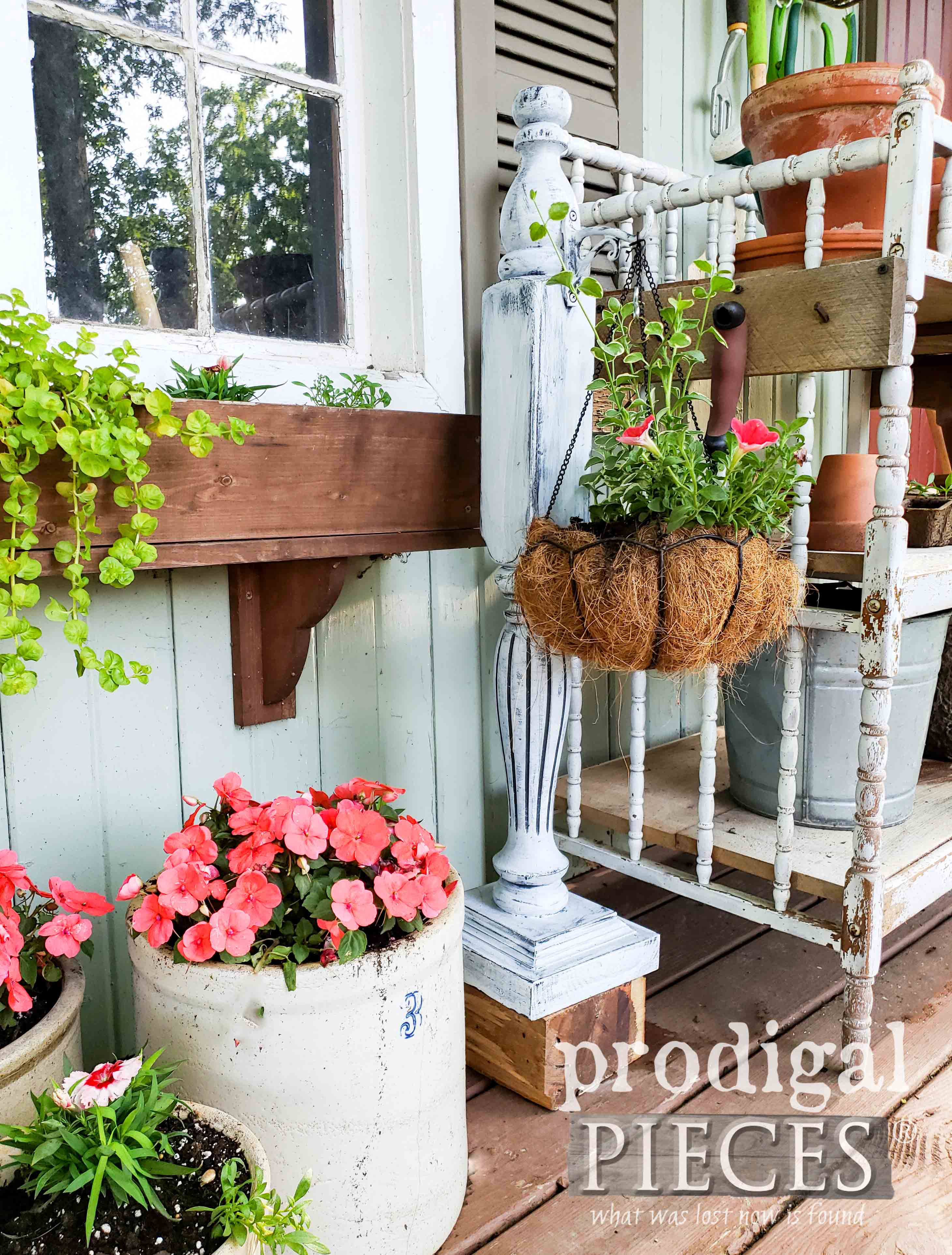 Repurposed Bed Post Garden Plant Hanger created by Larissa of Prodigal Pieces | DIY tutorial at prodigalpieces.com #prodigalpieces #home #garden #homedecor #diy #farmhouse