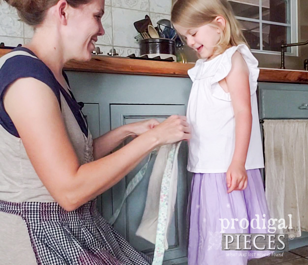 Mama Made DIY Child's Apron with Vintage Embroidery by Larissa of Prodigal Pieces | prodigalpieces.com #prodigalpieces #diy #handmade #sewing #kids