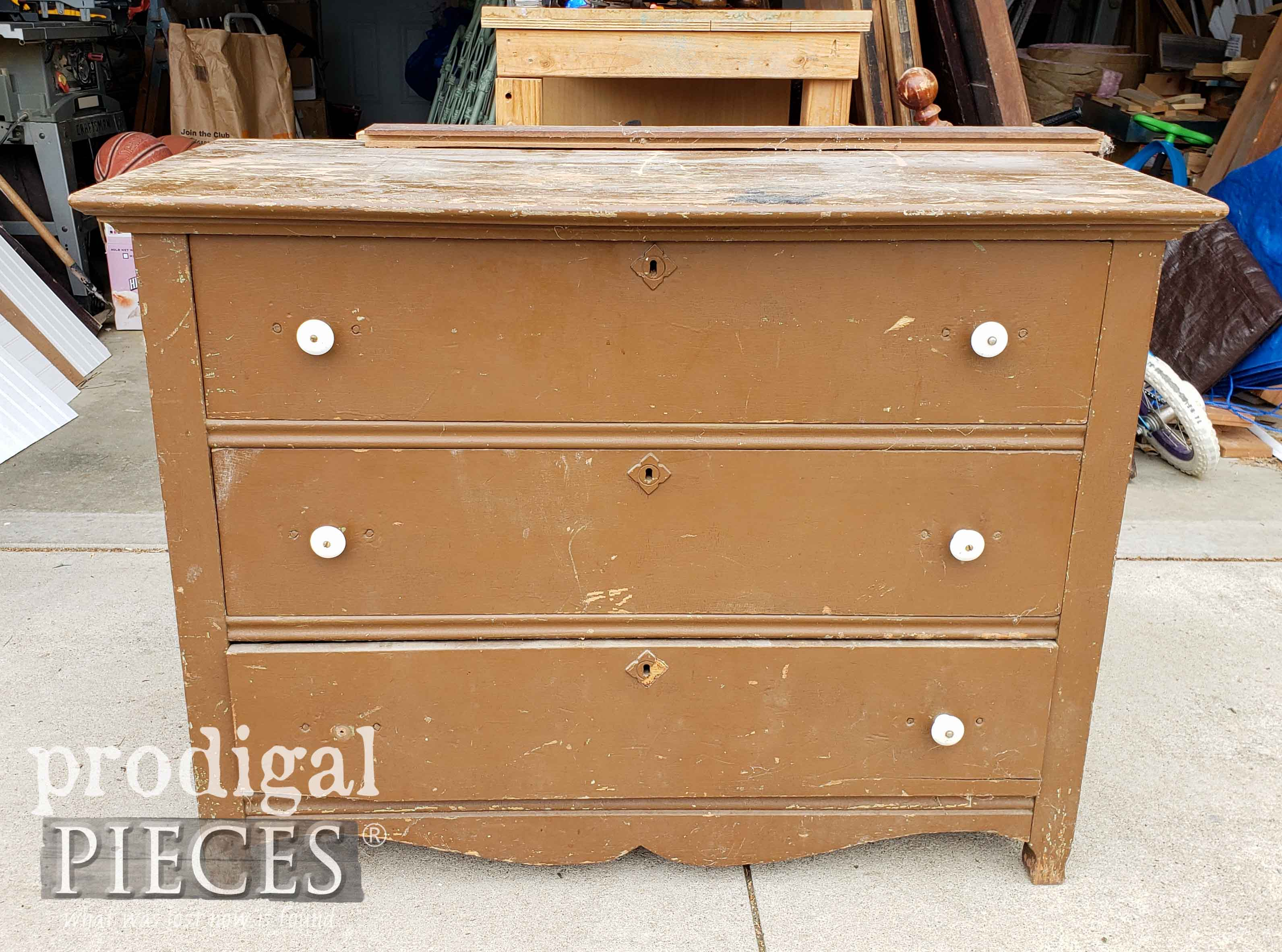 Roadside Antique Chest of Drawers Found by Larissa of Prodigal Pieces | prodigalpieces.com