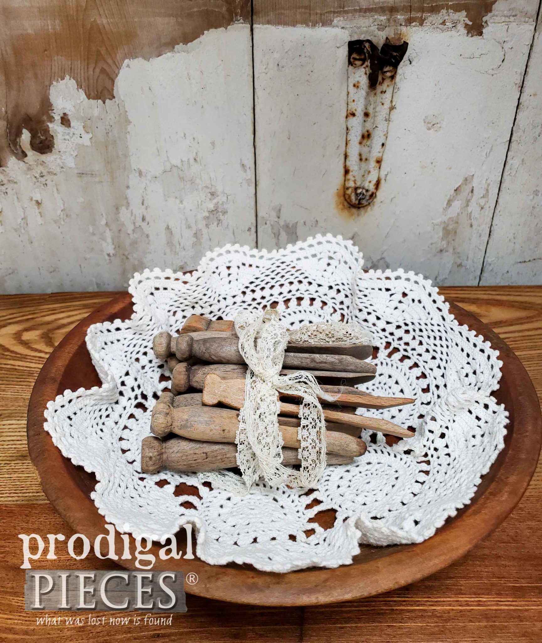 Vintage Farmhouse Vignette with Antique Wooden Clothespins by Larissa of Prodigal Pieces | prodigalpieces.com #prodigalpieces #home #handmade #farmhouse #homedecor