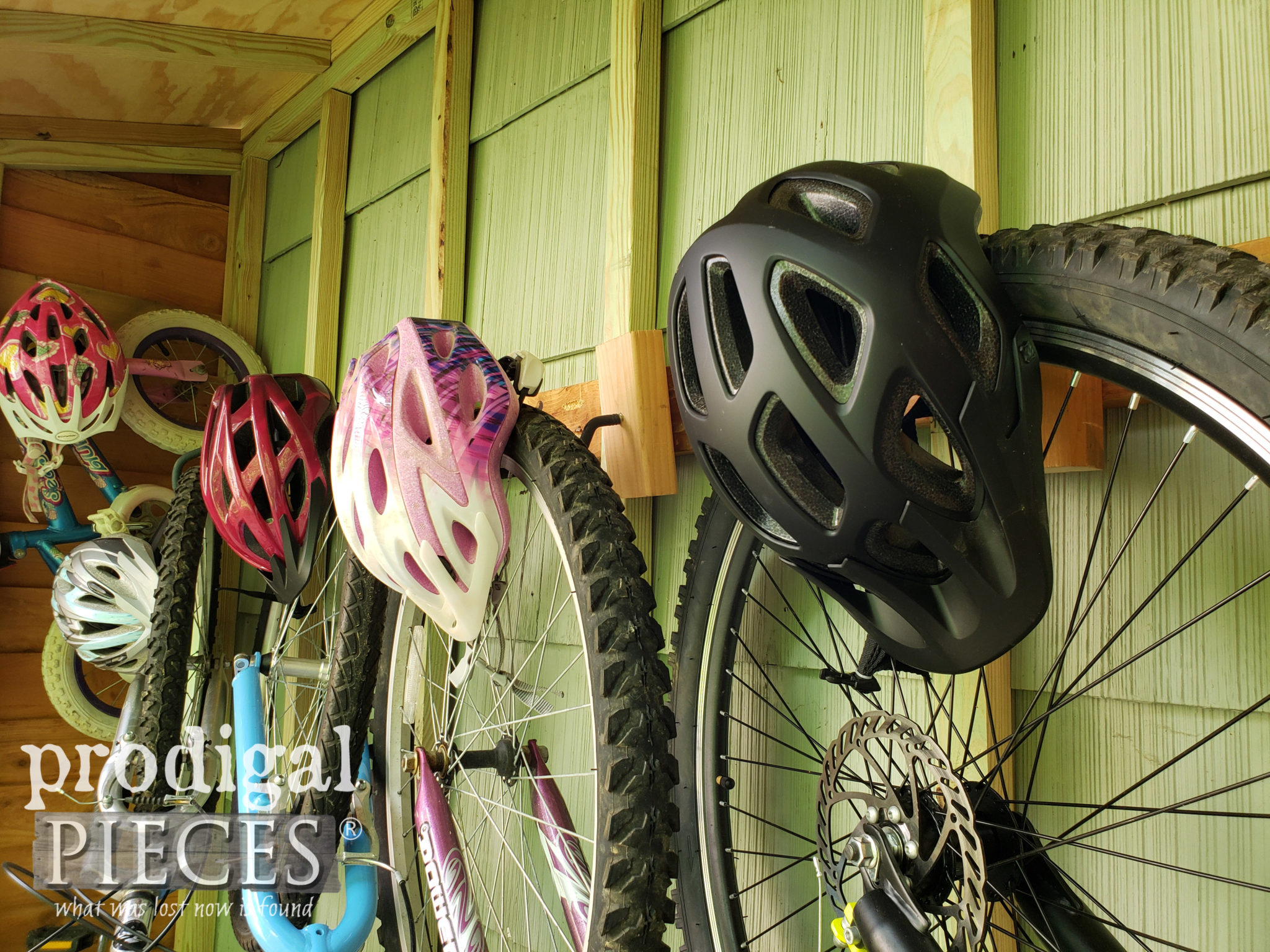 Bike Helmet Storage | DIY Outdoor | prodigalpieces.com