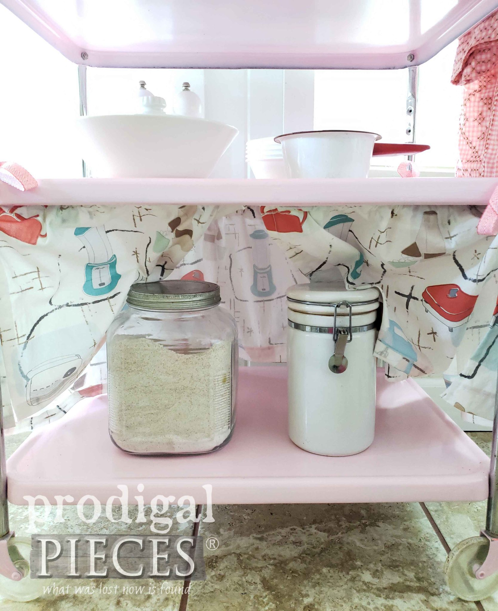 DIY Dust Ruffle Skirt for Vintage Cosco Cart by Larissa of Prodigal Pieces | prodigalpieces.com #prodigalpieces #diy #home #vintage #homedecor #furniture
