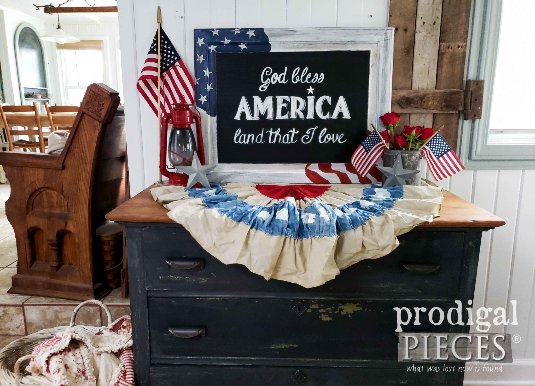 DIY Upcycled 4th of July Sign with video tutorial & free star printables by Larissa of Prodigal Pieces | prodigalpieces.com #prodigalpieces #diy #home #farmhouse #4thofjuly #printables #homedecor