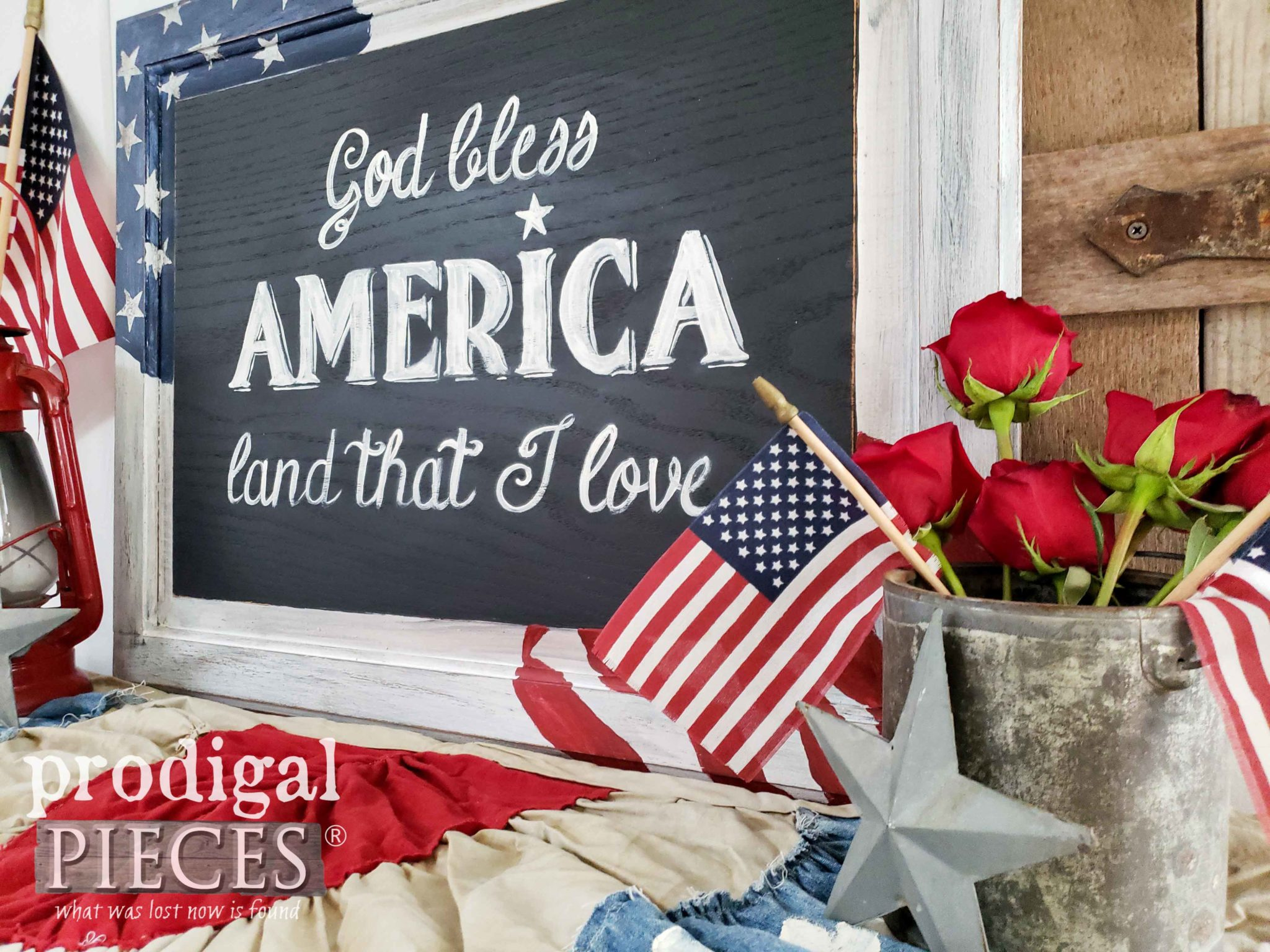 Farmhouse Style Americana Decor for 4th of July Celebration | prodigalpieces #prodigalpieces #diy #farmhouse #4thofJuly #home #homedecor