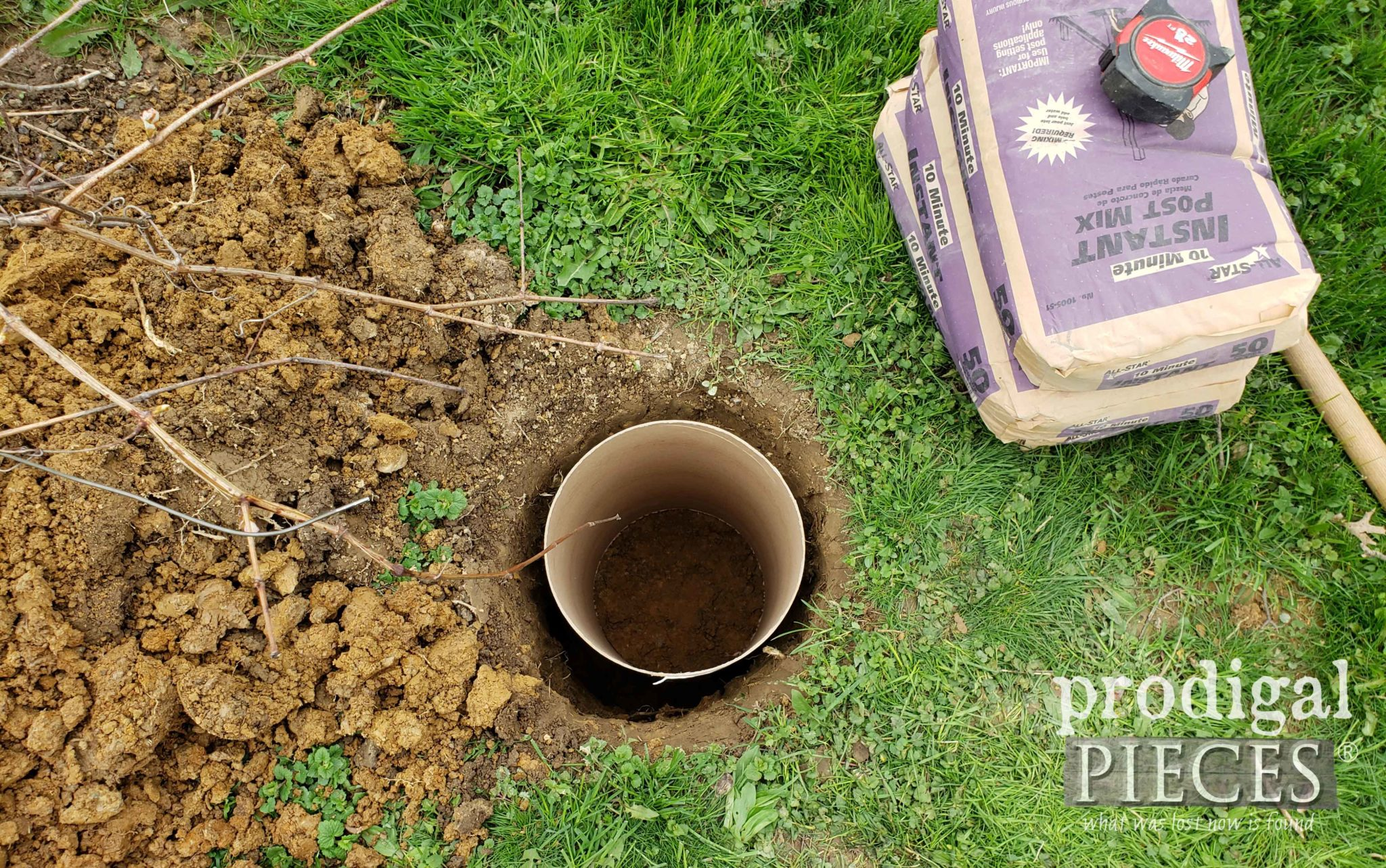 Grape Arbor Post Hole with Reinforced Base | prodigalpieces.com #prodigalpieces #diy #garden