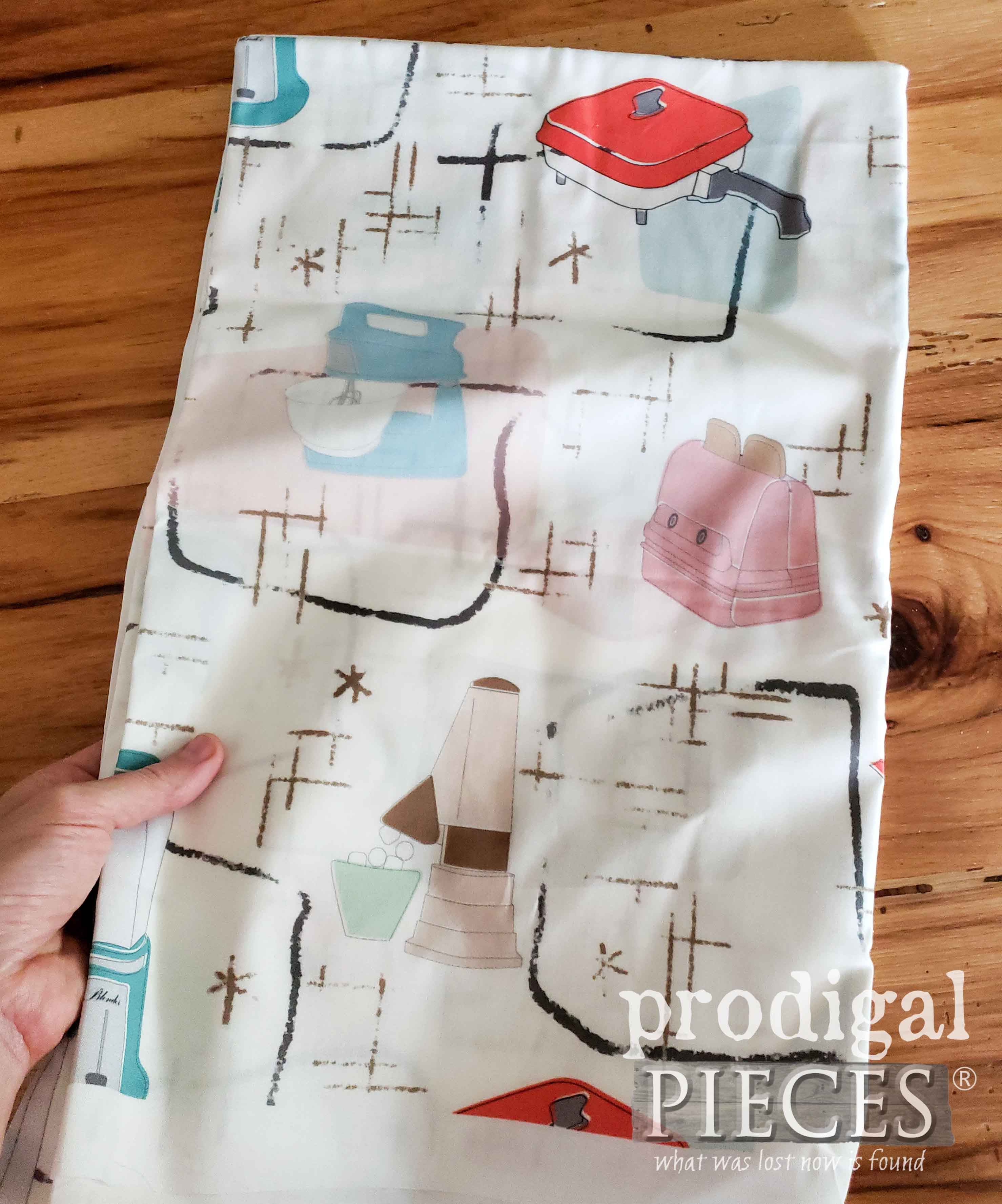 Retro Kitchen Fabric from Spoonflower used by Larissa of Prodigal Pieces | prodigalpieces.com #prodigalpieces
