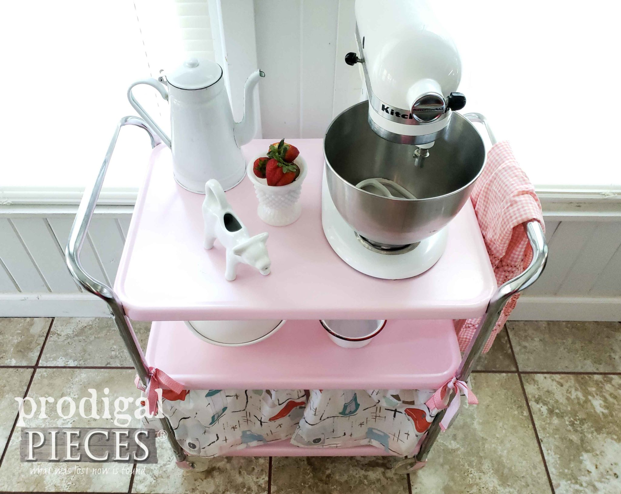Top View of Vintage Cosco Cart in Pink by Larissa of Prodigal Pieces | prodigalpieces.com #prodigalpieces #vintage #retro #home #homedecor #furniture