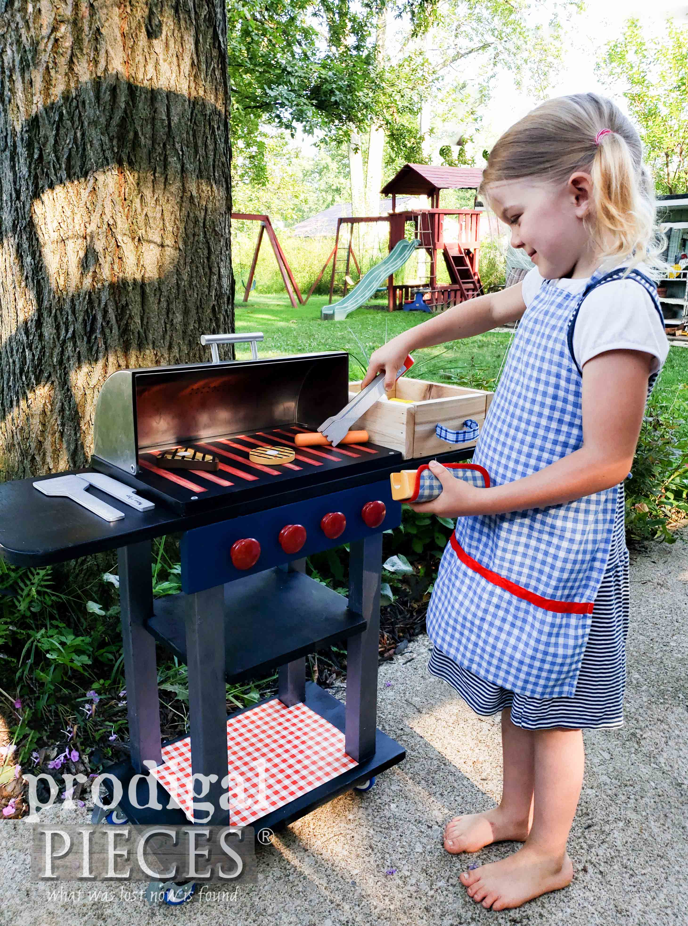 DIY Pretend Play Grill Set made by Larissa of Prodigal Pieces from an Upcycled Bread Box | prodigalpieces.com #prodigalpieces #diy #handmade #kids #toys #pretendplay