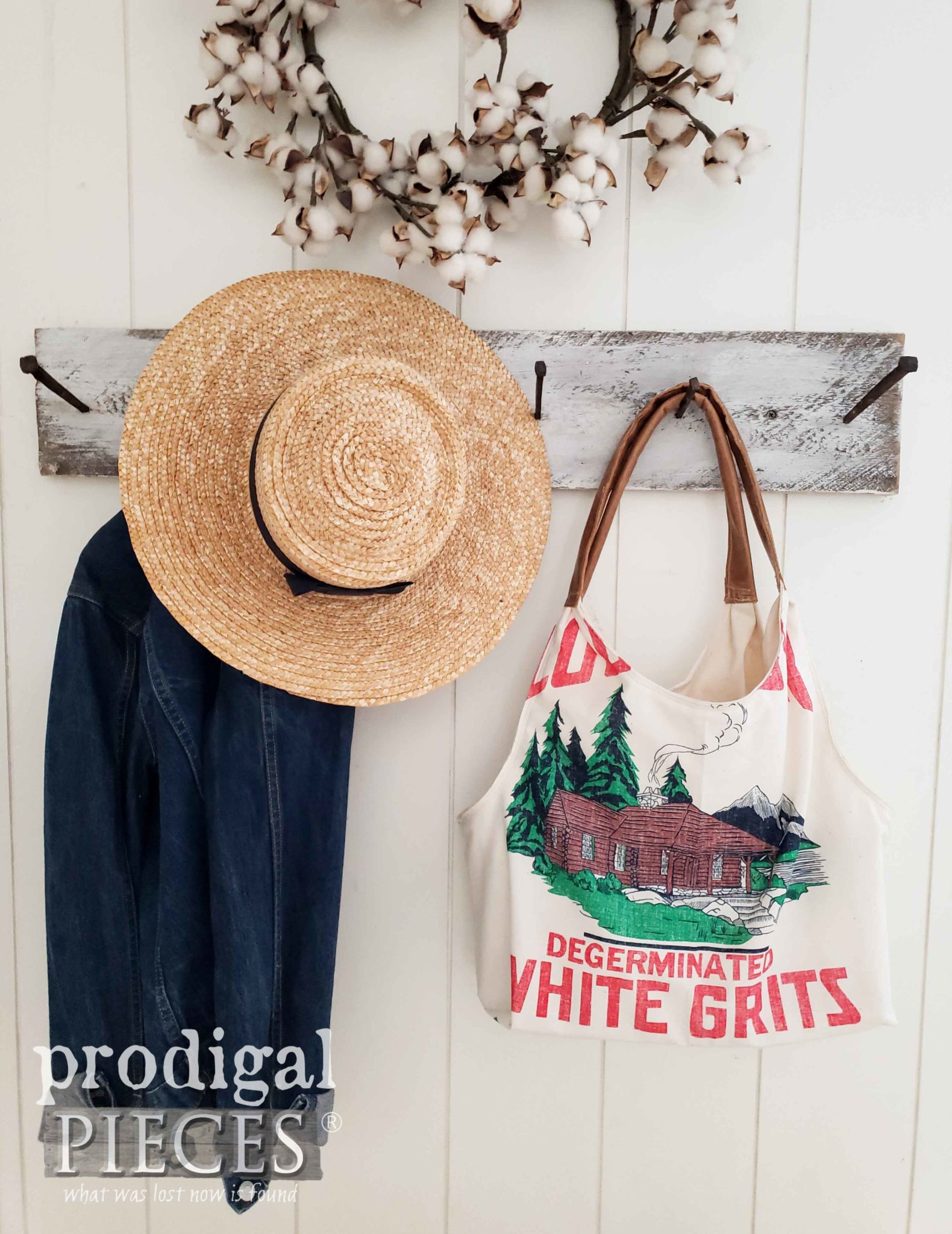Farmhouse Feed Sack Tote Handmade by Larissa of Prodigal Pieces | prodigalpieces.com #prodigalpieces #diy #handmade #fashion #farmhouse #style #women