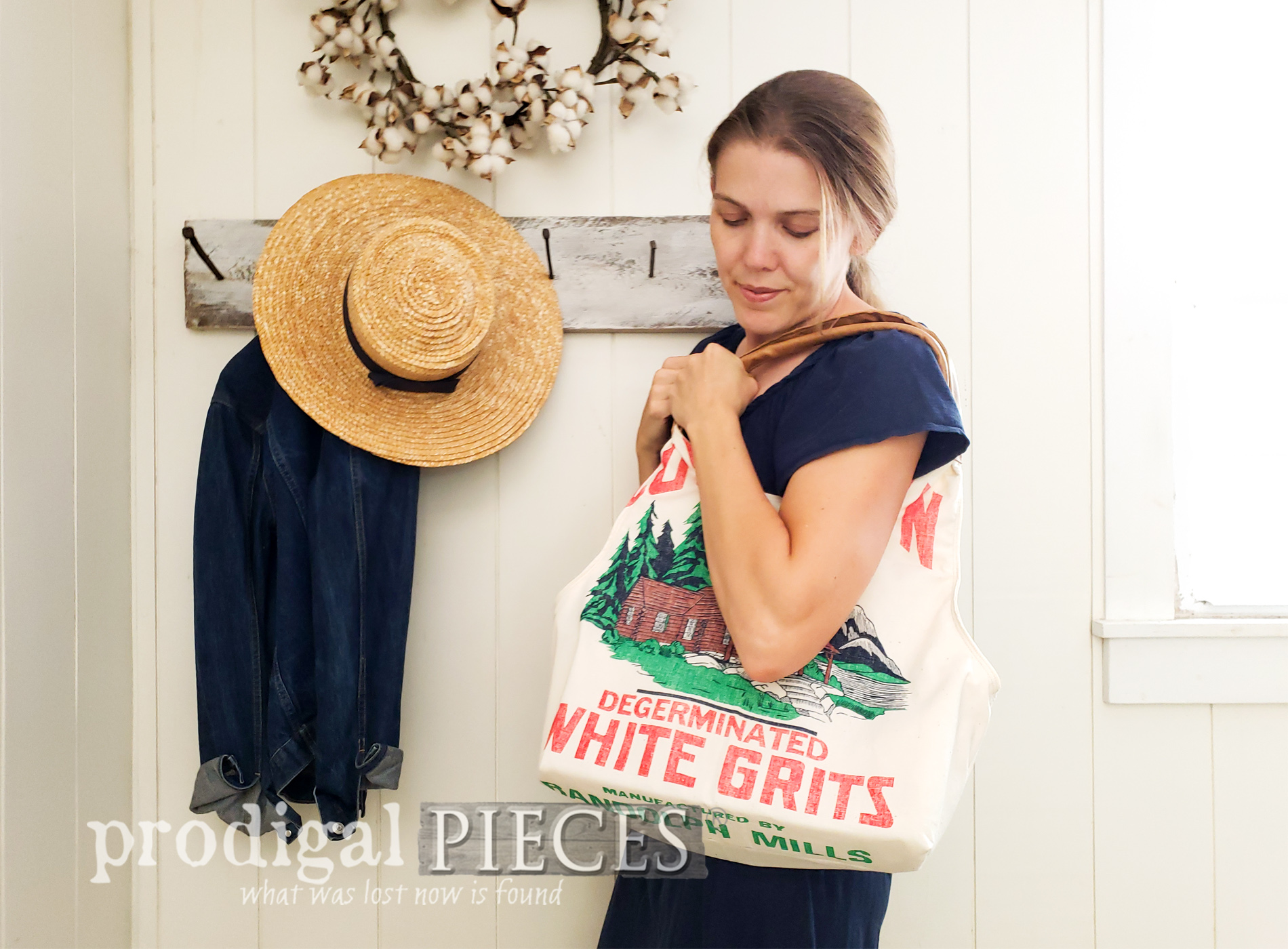 Featured Feed Sack Tote Bag Created by Larissa of Prodigal Pieces | Details at prodigalpieces.com #prodigalpieces #farmhouse #sewing #fashion #style #handmade