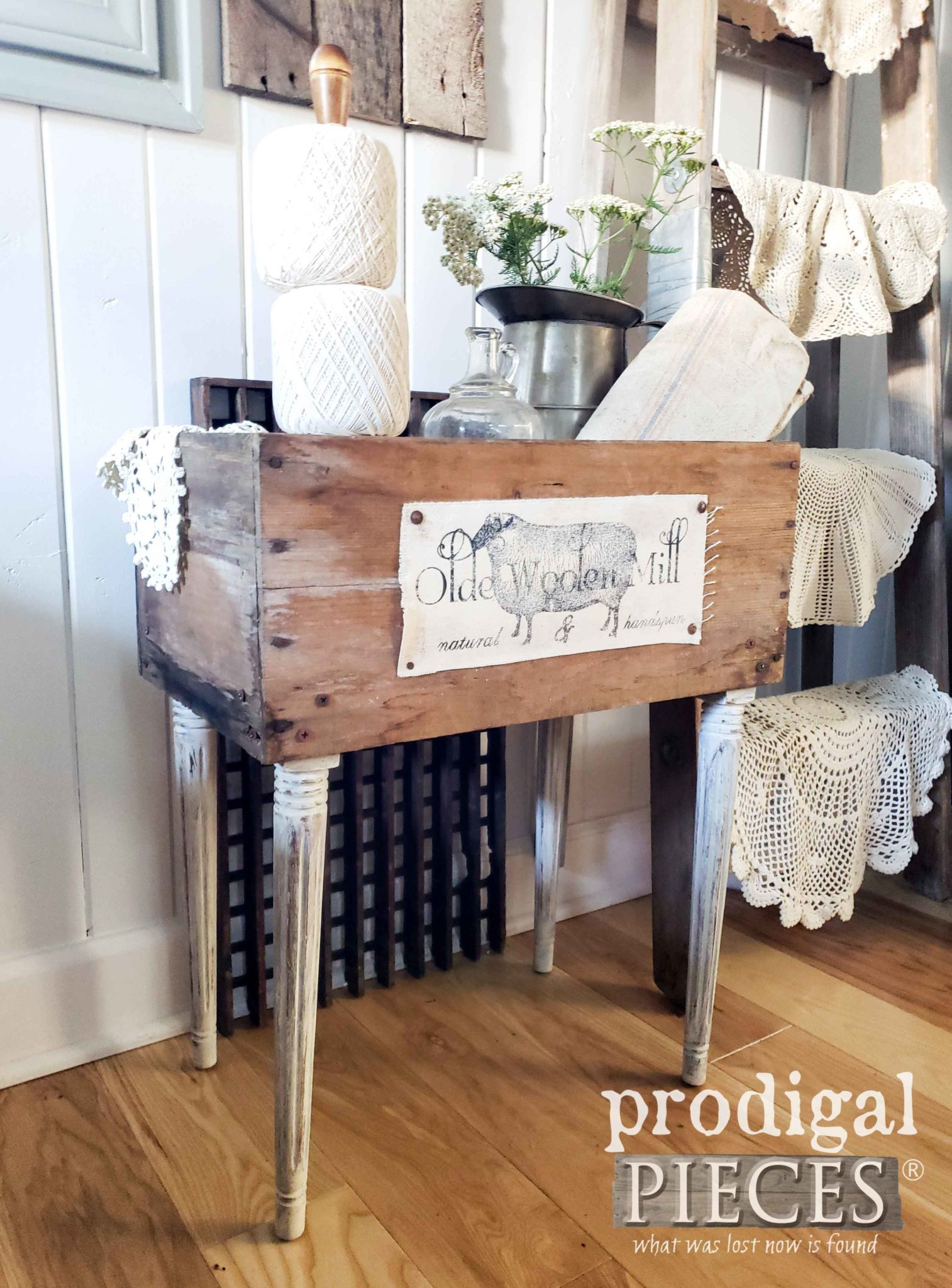 Handmade Farmhouse Crate Table by Larissa of Prodigal Pieces | prodigalpieces #prodigalpieces #diy #furniture #home #farmhouse #homedecor