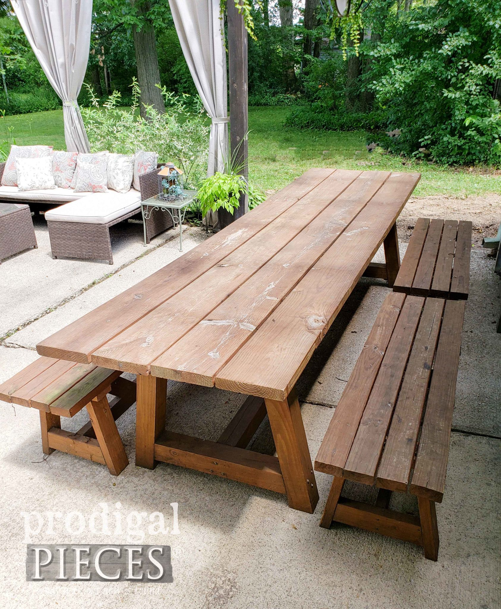 Patio Table Before Update by Prodigal Pieces | prodigalpieces.com