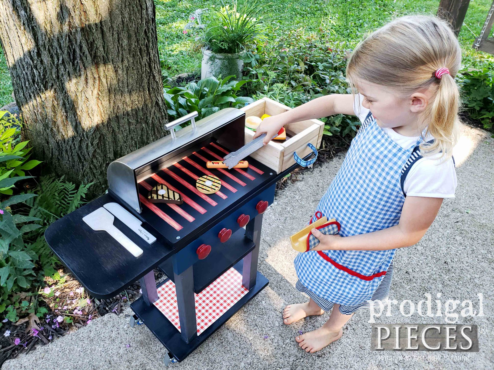 Adorable Pretend Play Grill Set made from Upcycled Bread Box | DIY fun at prodigalpieces.com #prodigalpieces #toys #handmade #kids #fun #pretend