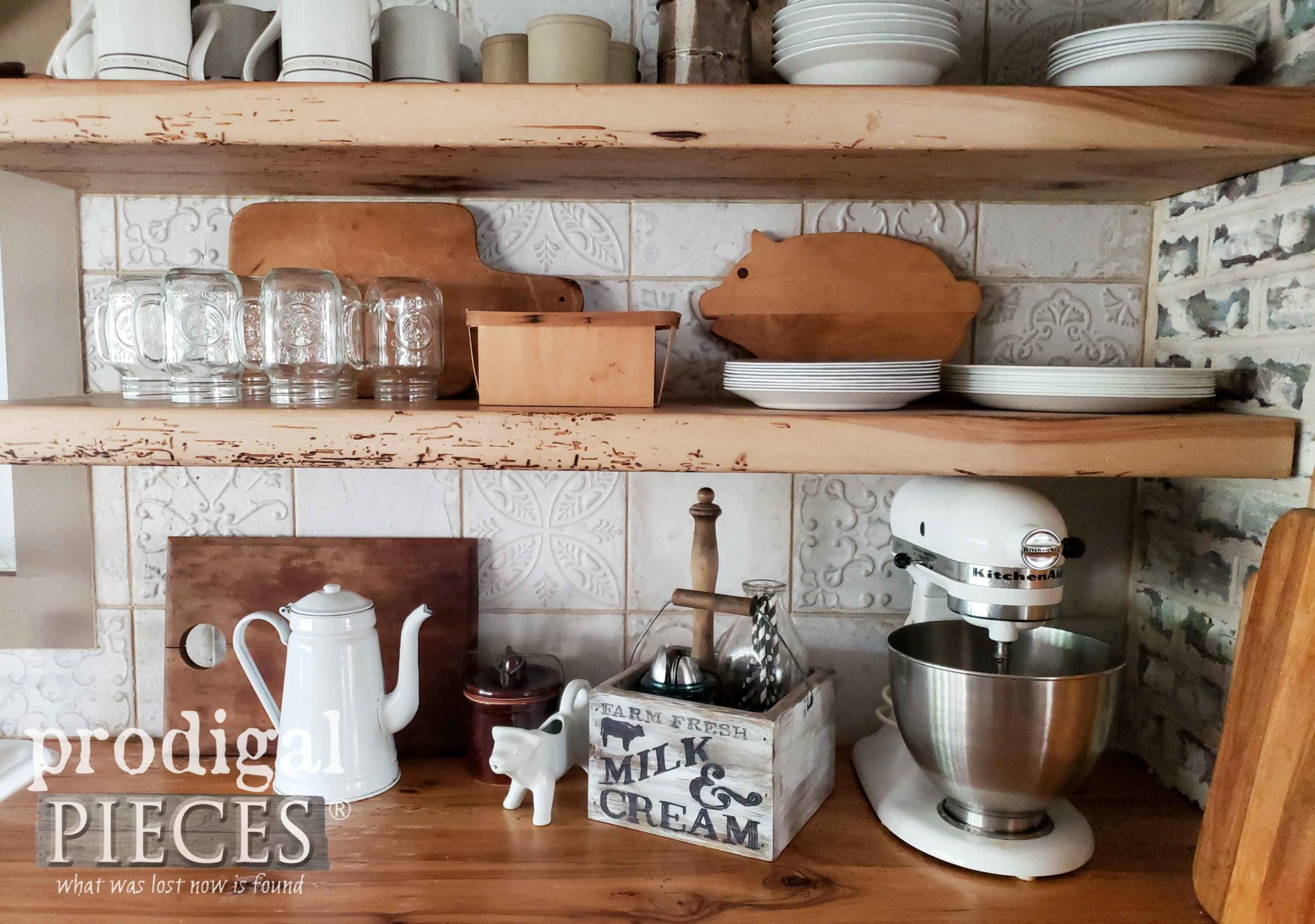 Rustic Farmhouse Style Kitchen with DIY decor by Larissa of Prodigal Pieces | prodigalpieces.com #prodigalpieces #kitchen #farmhouse #diy #homedecor #home #storage