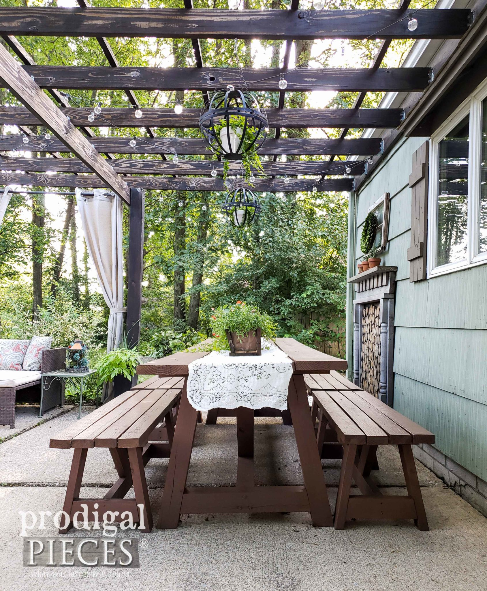 Rustic Farmhouse Style Patio with Pergola by Larissa of Prodigal Pieces | prodigalpieces.com #prodigalpieces #diy #pergola #patio #home #homedecor #farmhouse