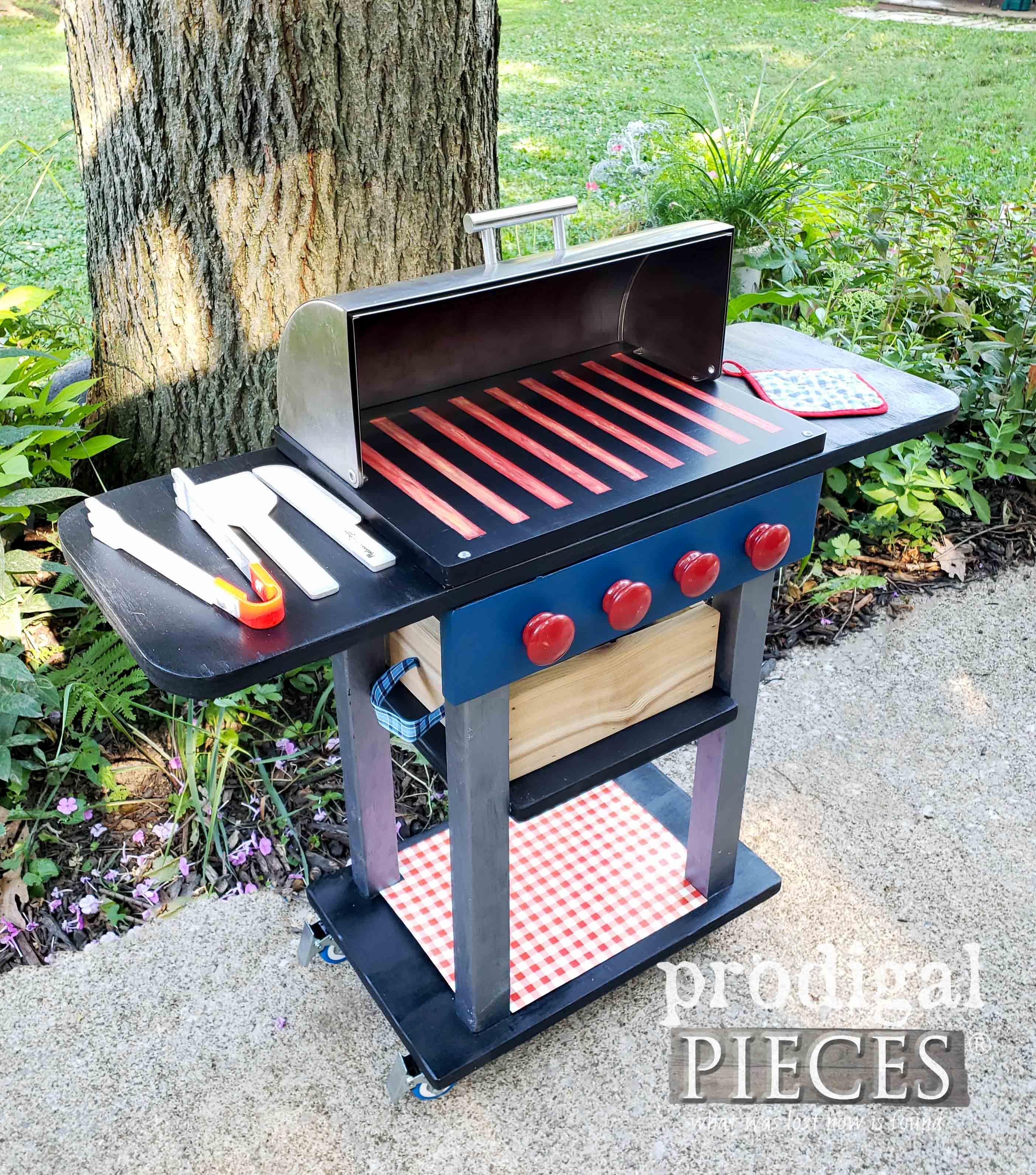 Upcycled Bread Box Becomes Pretend Play Grill by Larissa of Prodigal Pieces | prodigalpieces.com #prodigalpieces #diy #handmade #home #kids #toys #pretendplay