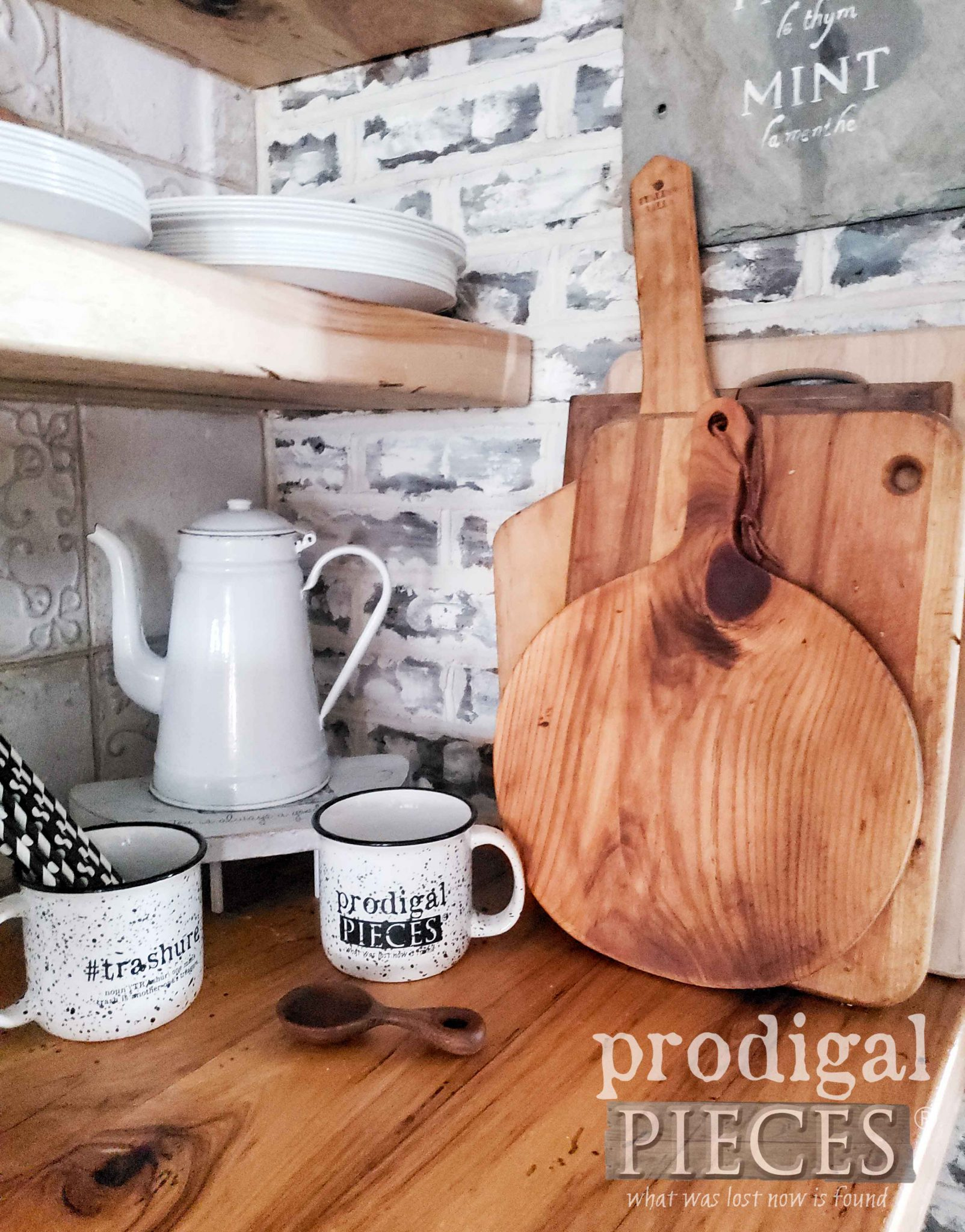 Farmhouse Cutting Board Collection by Larissa of Prodigal Pieces | prodigalpieces.com #prodigalpieces #farmhouse #diy #home #homedecor