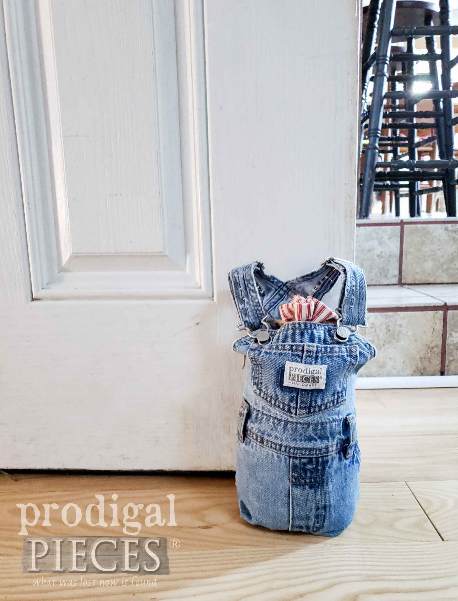 Farmhouse Style DIY Doorstop Made from Upcycled Baby Bib Overalls by Larissa of Prodigal Pieces | prodigalpieces.com #prodigalpieces #diy #home #homedecor #farmhouse #handmade #refashion