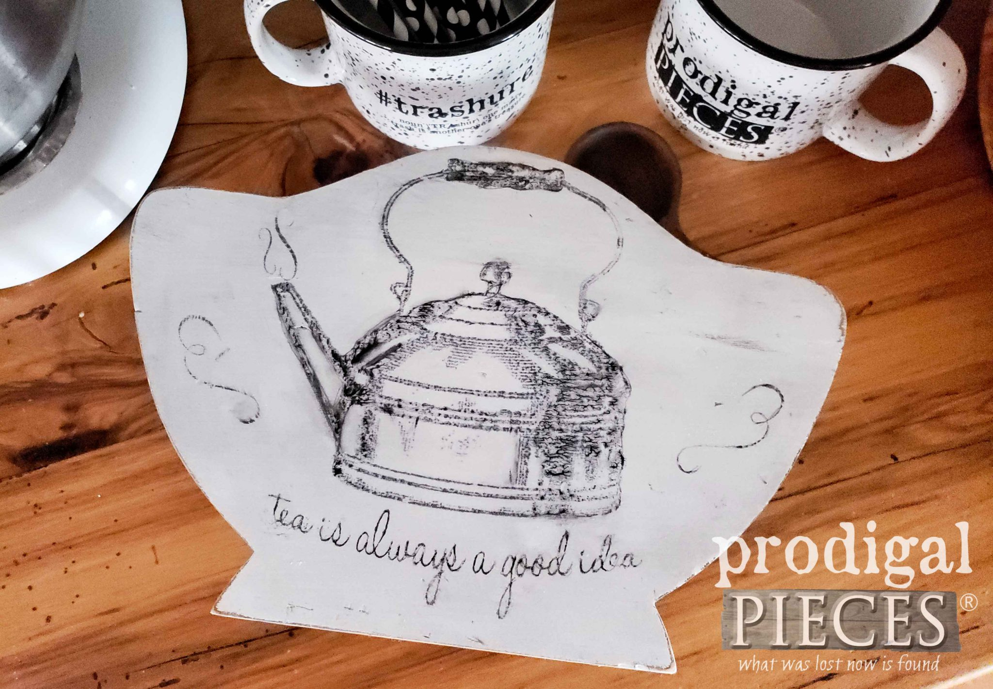 Farmhouse Style Teapot Trivet Riser from Upcycled Paper Plate Holder by Larissa of Prodigal Pieces | prodigalpieces.com #prodigalpieces #home #farmhouse #homedecor #rustic